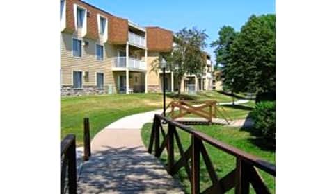 The Pines Of Burnsville W Burnsville Parkway Burnsville Mn Apartments For Rent