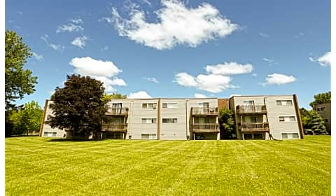 Kingswood Gardens - Vine Street | Liverpool, NY Apartments ...