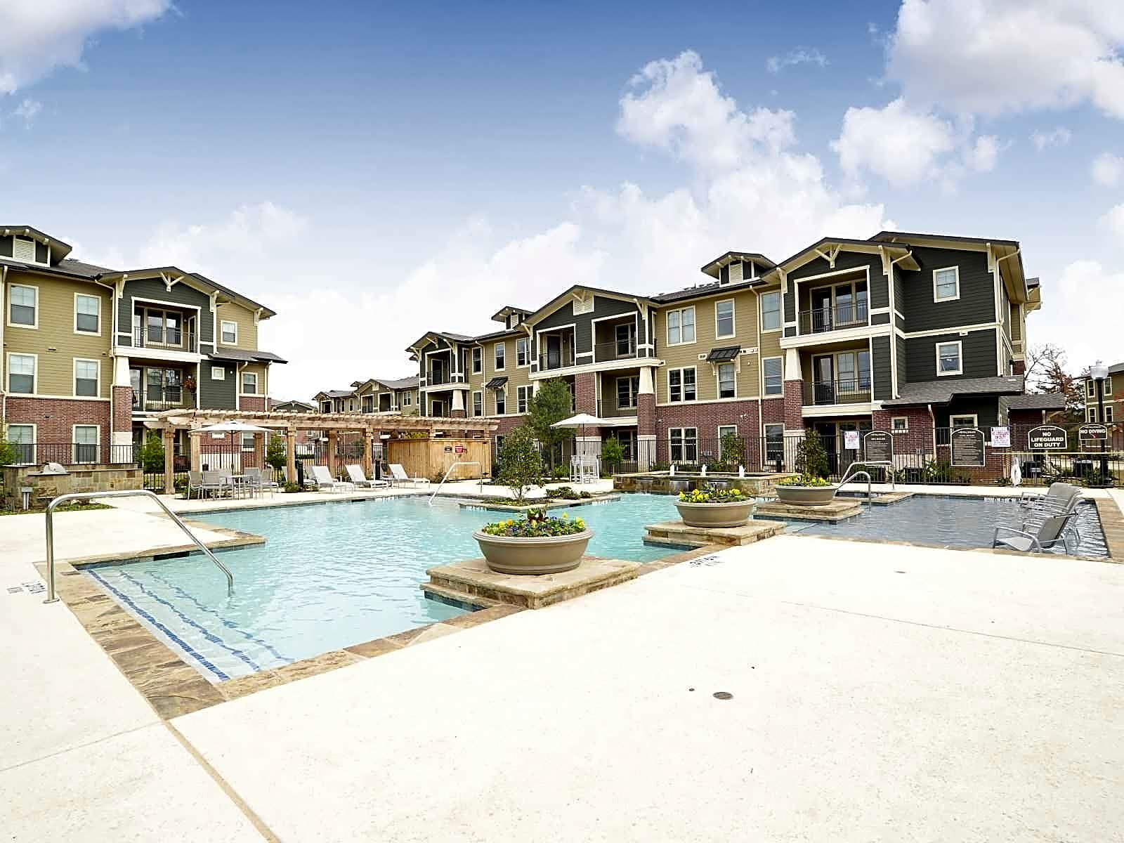 Photo: Tyler Apartment for Rent - $1100.00 / month; 2 Bd & 2 Ba