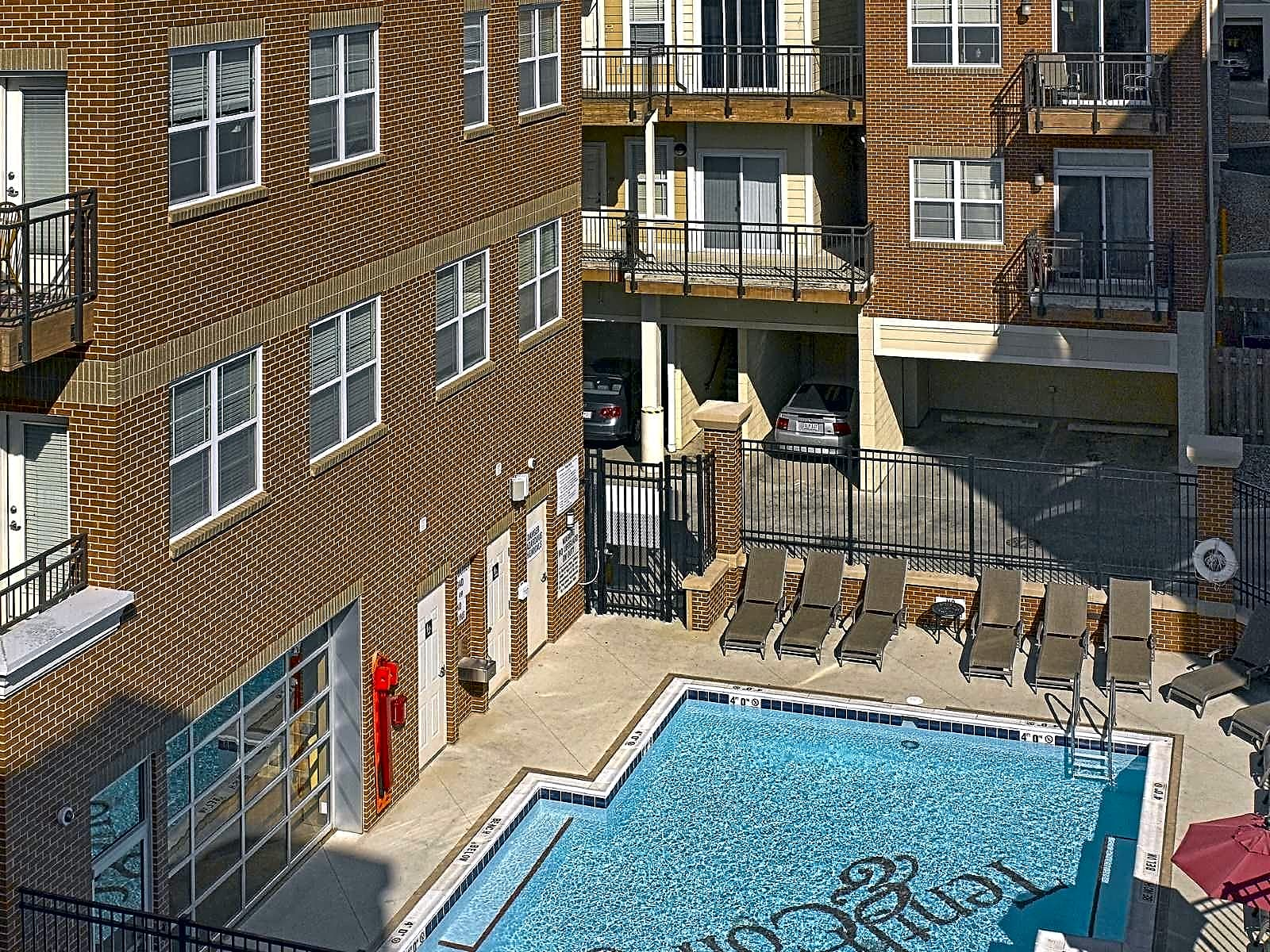 Cedarview Management Apartments & Townhomes Bloomington IN