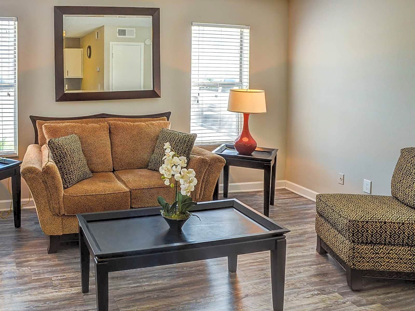 Apartments Near ASU Woodhaven Apartments for Augusta State University Students in Augusta, GA
