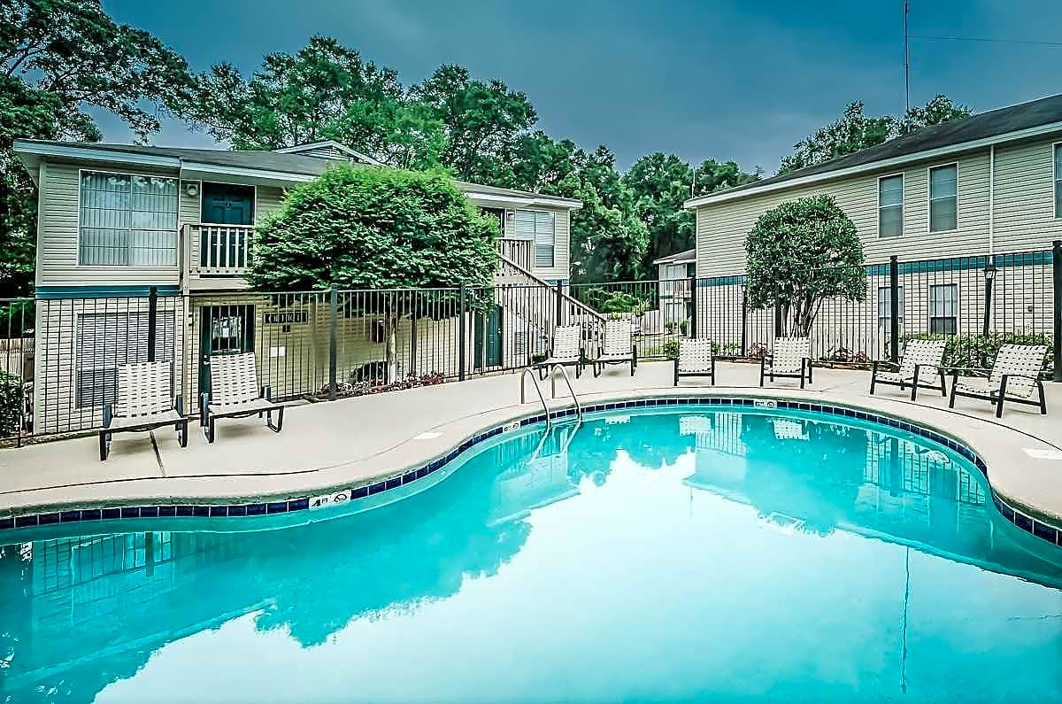Sealy Realty apartments in Mobile, AL