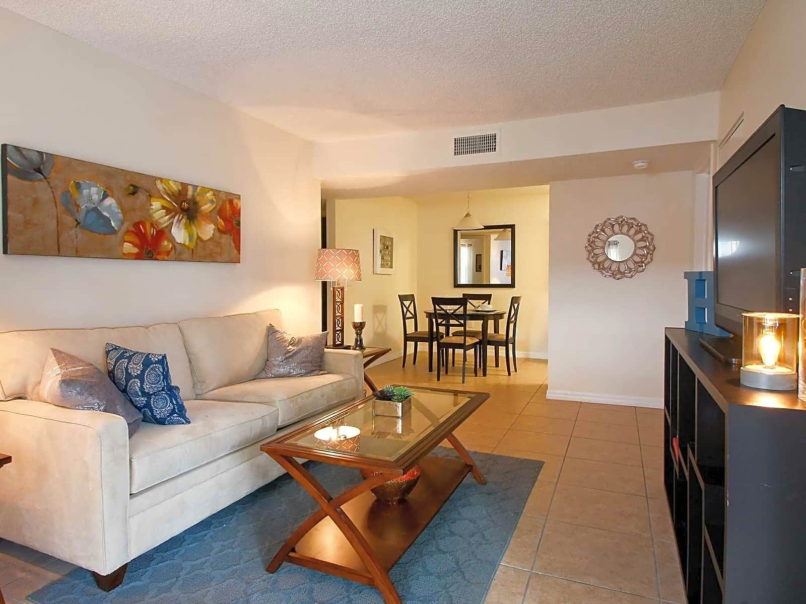 Apartments Near SPC Harbour Cay for St. Petersburg College Students in Clearwater, FL