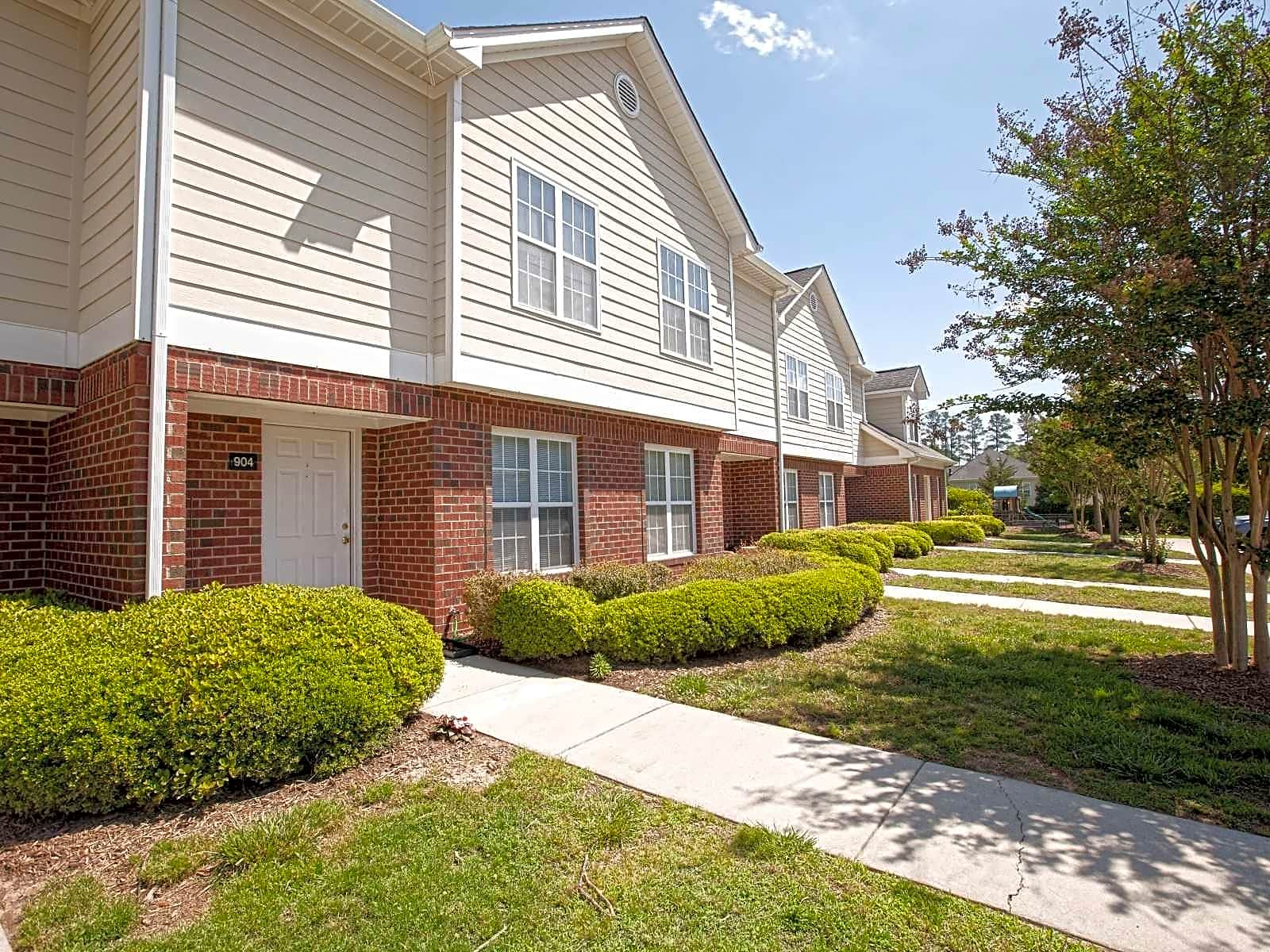 Taylor\'s Pond Apartments - Durham, NC 27707