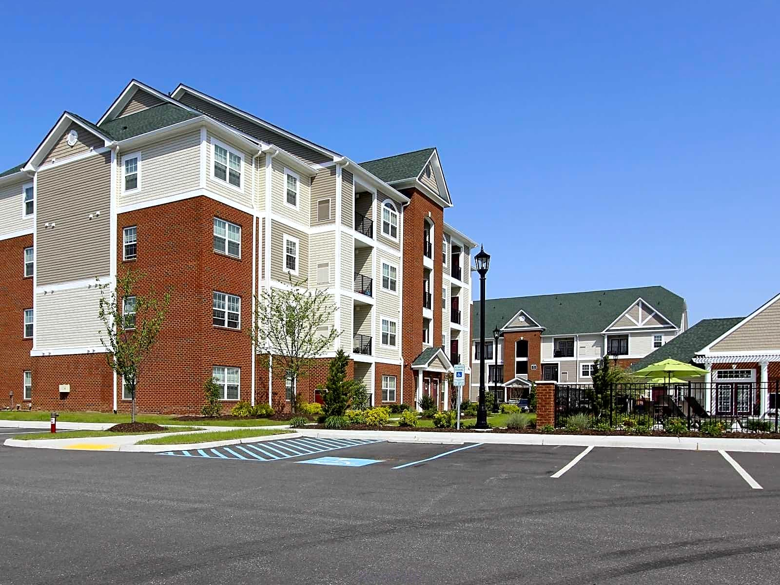 Apartments Near Hampton Marcella at Town Center Apartments and Townhomes for Hampton University Students in Hampton, VA