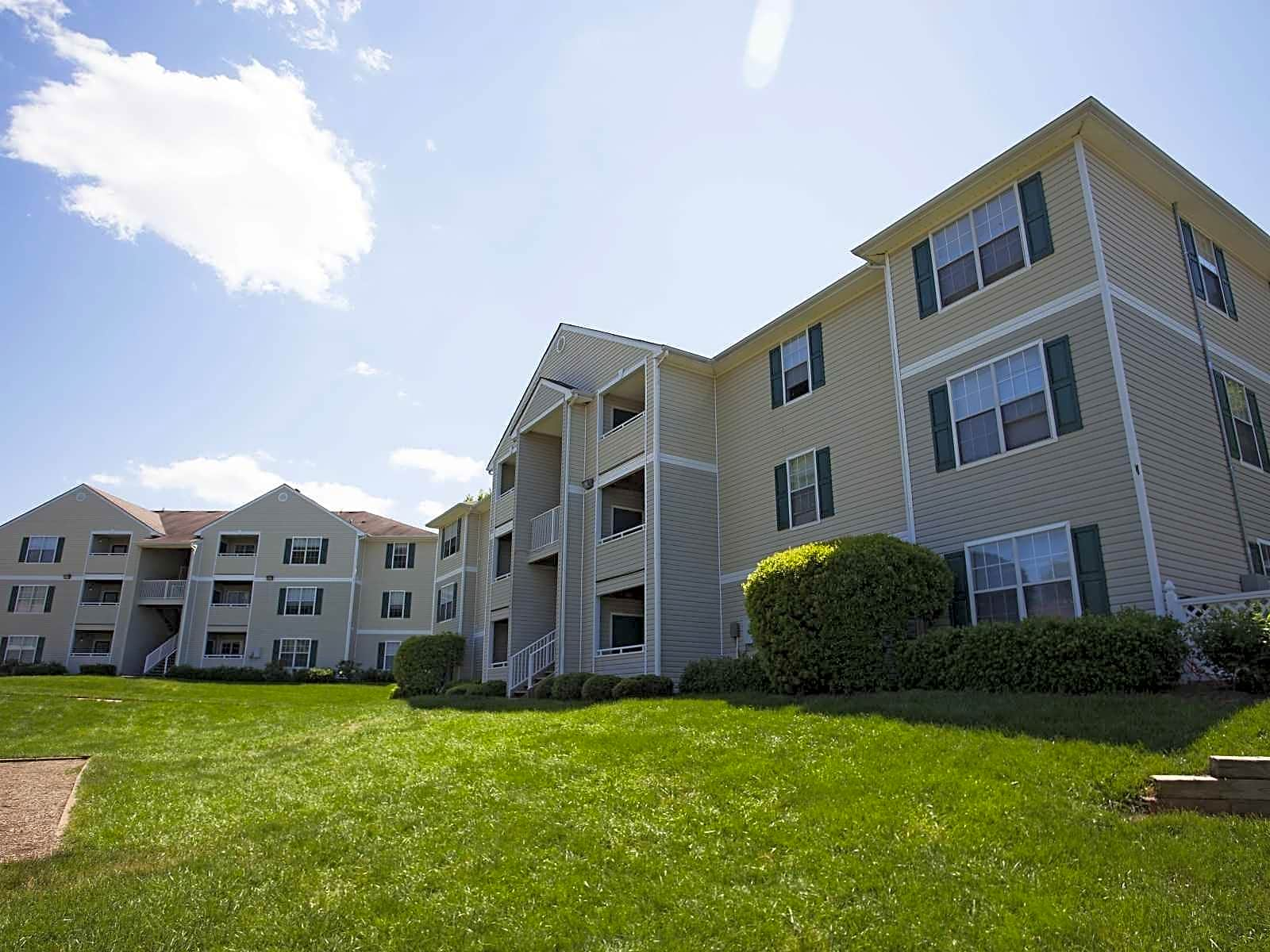 Apartments Near Davidson Parkview Apartments for Davidson College Students in Davidson, NC