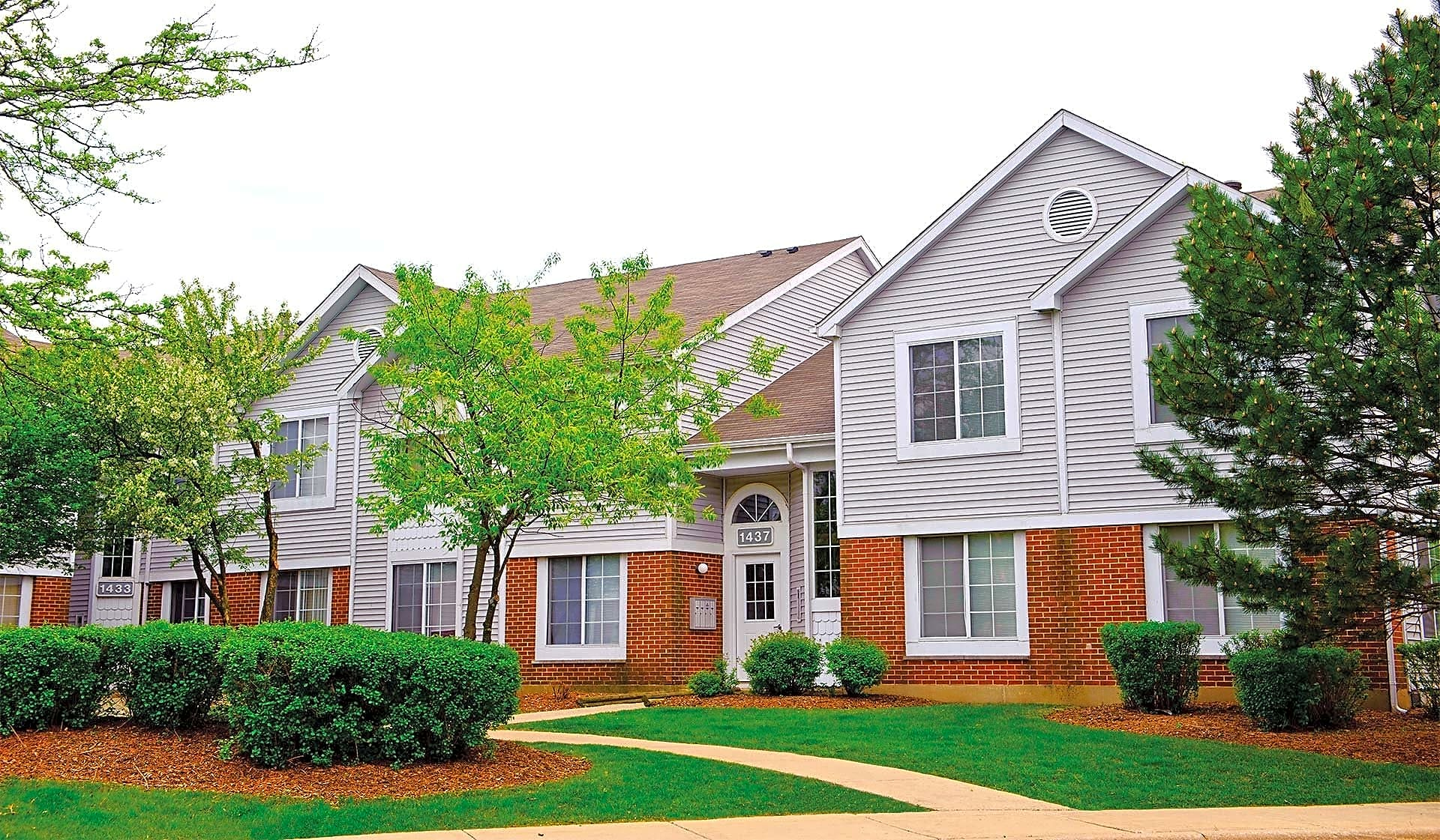Savannah trace apartments schaumburg il 60193 for Apartment design guide sepp 65