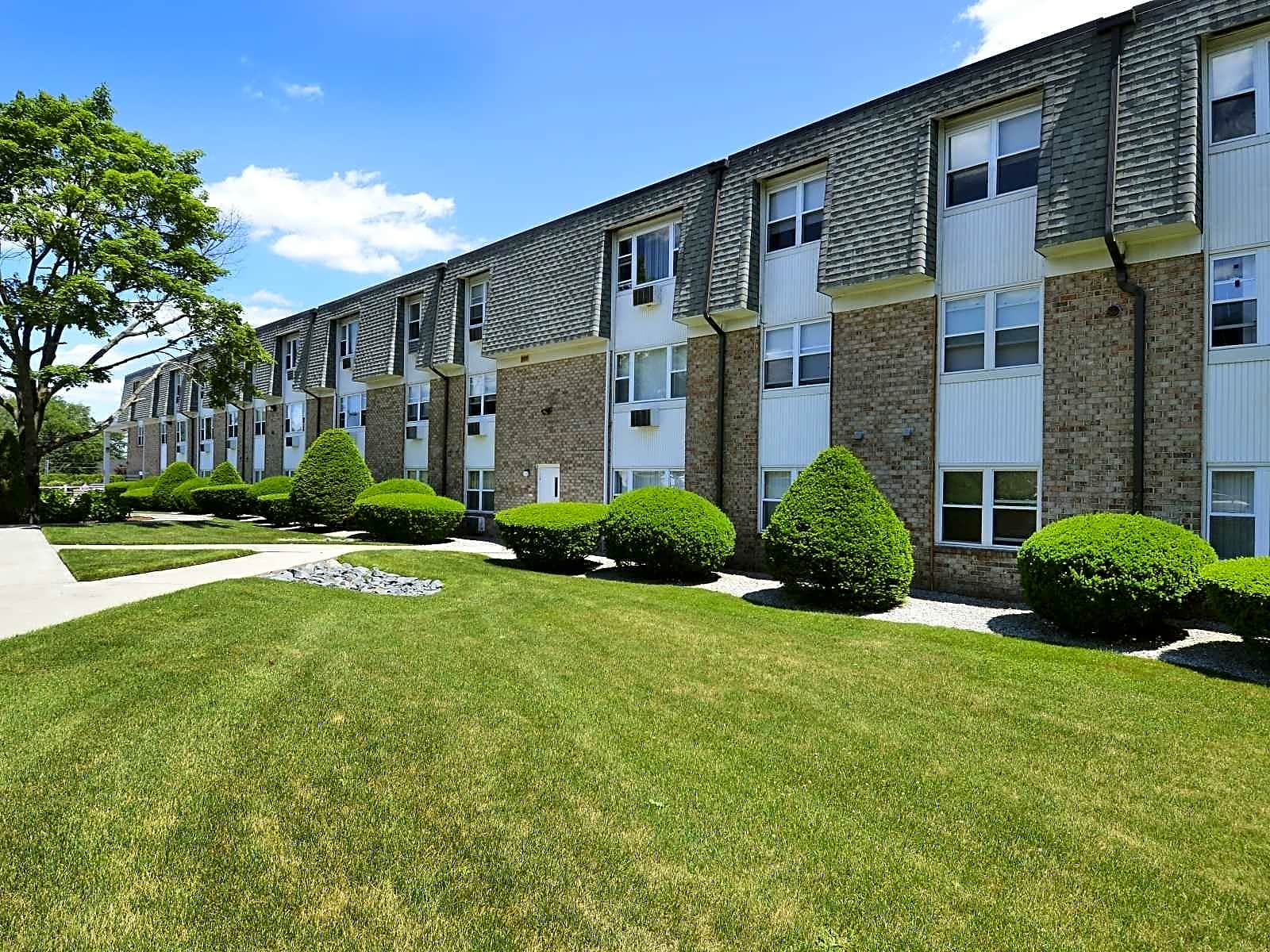 Apartments For Rent In Elmwood Ri