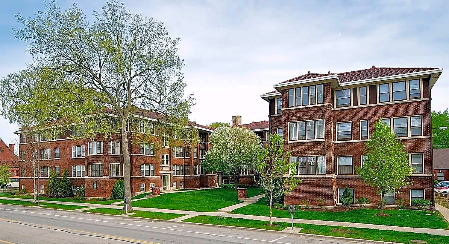Apartments Near Concordia Oak Park Apartments for Concordia University Students in River Forest, IL