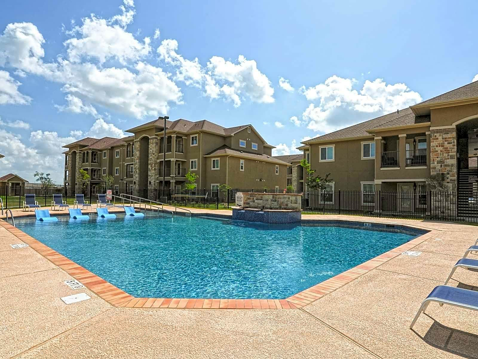 Apartments Near South Texas Vo-Tech Institute Jackson Place for South Texas Vo-Tech Institute Students in Weslaco, TX
