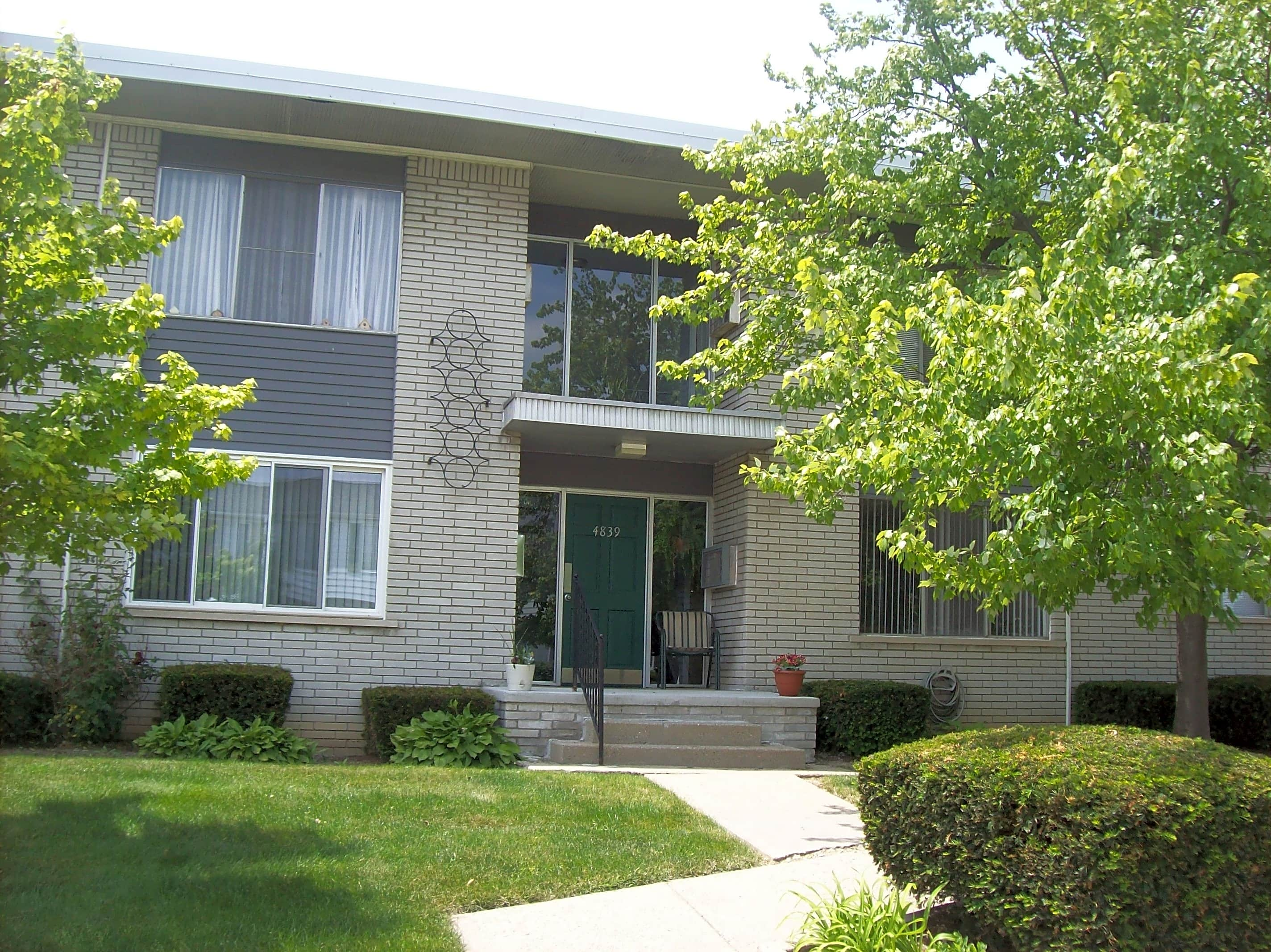 Condo for Rent in Royal Oak