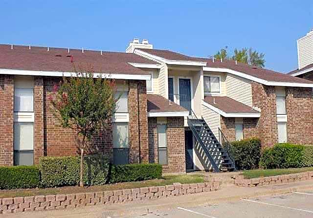 Apartments Near SAGU Riverbend Apartments for Southwestern Assemblies of God University Students in Waxahachie, TX