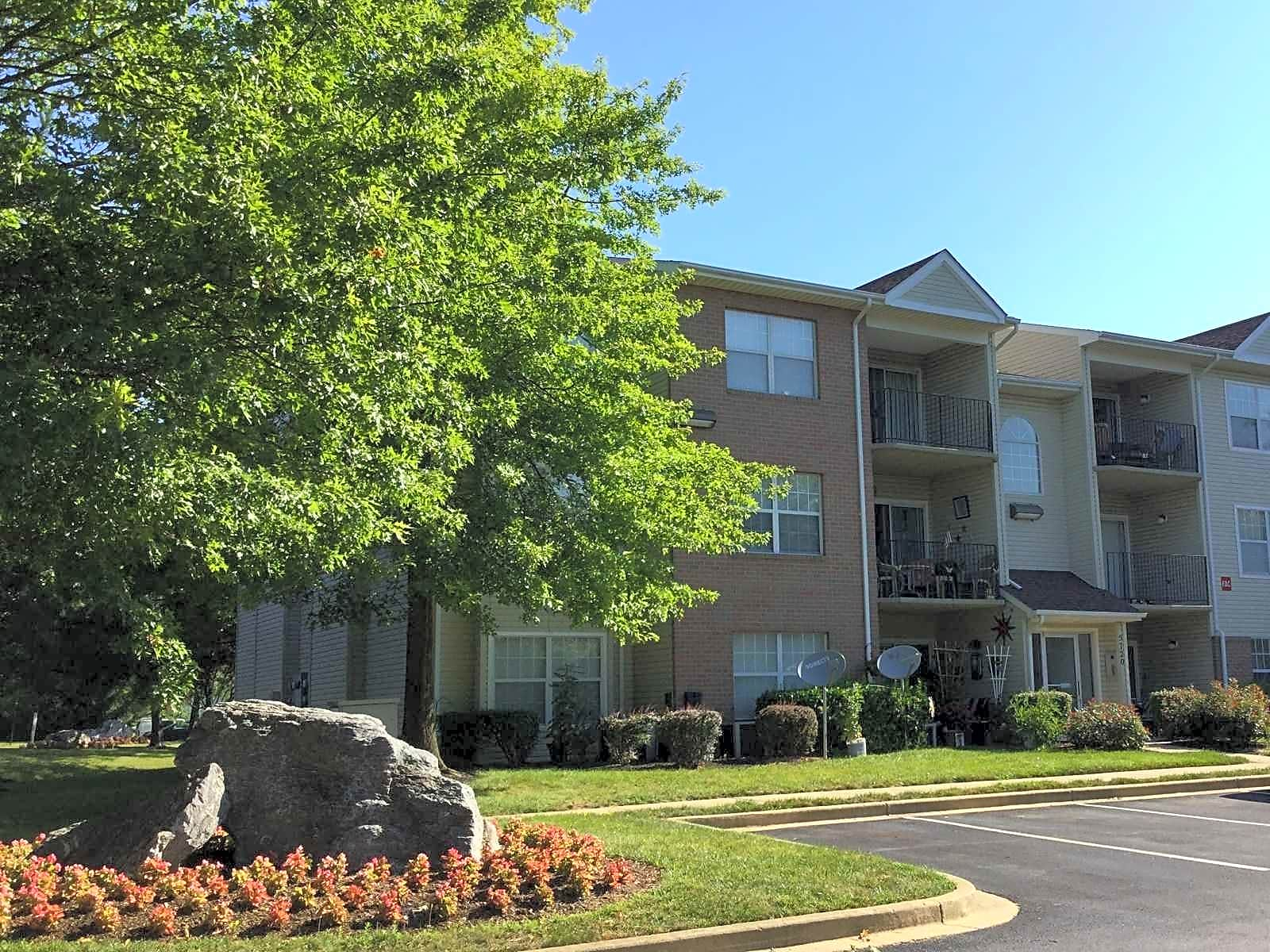 Apartments Near FCC Mountain Glen Apartments for Frederick Community College Students in Frederick, MD
