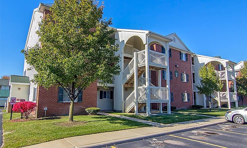 Apartments Near Regency Beauty Institute-Toledo Steeplechase Apartments & Townhomes for Regency Beauty Institute-Toledo Students in Holland, OH