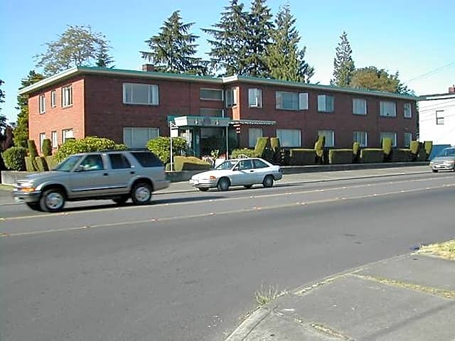 4420 southwest admiral way apartments seattle wa 98116 for Art institute of seattle parking garage
