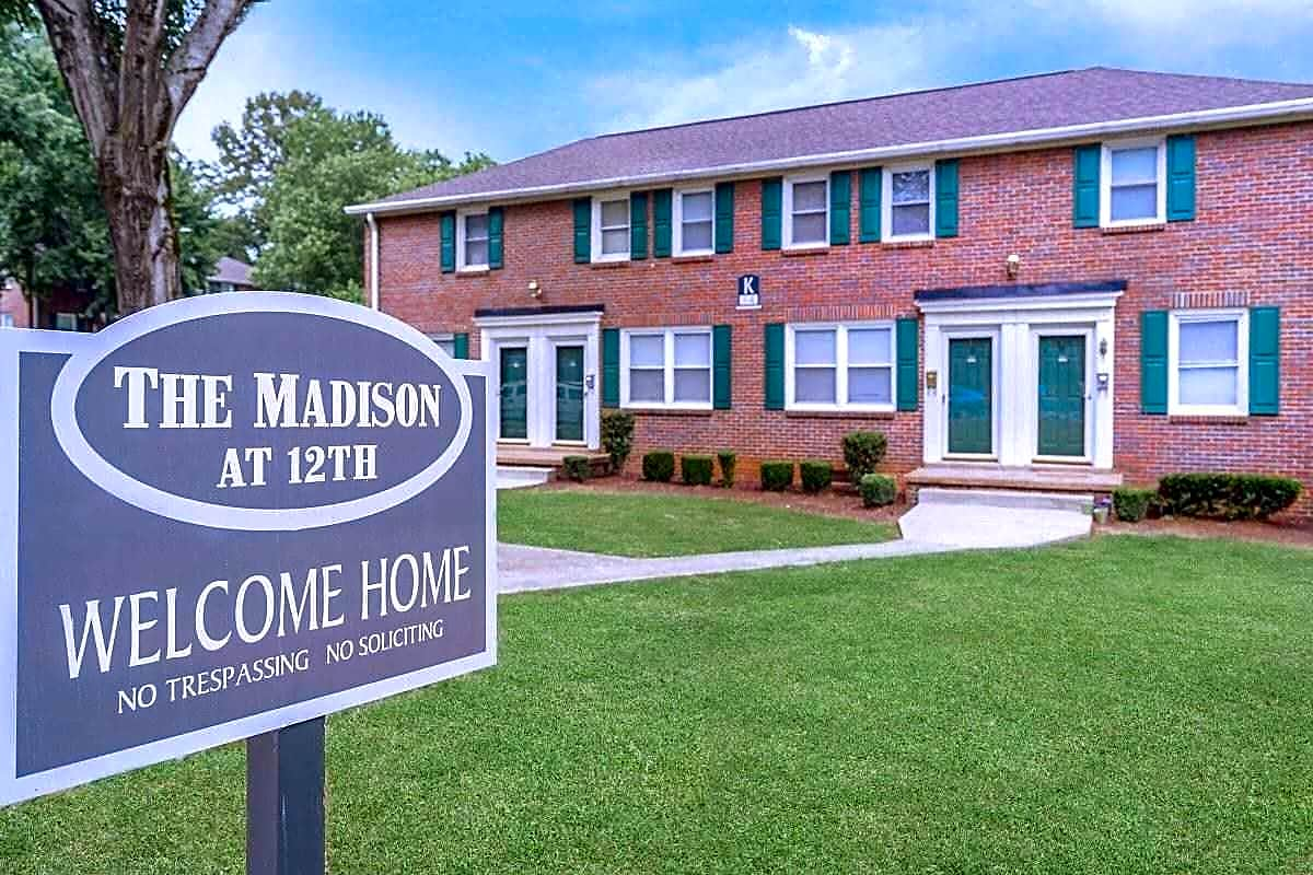 Apartments Near Austin Peay The Madison at 12th for Austin Peay State University Students in Clarksville, TN