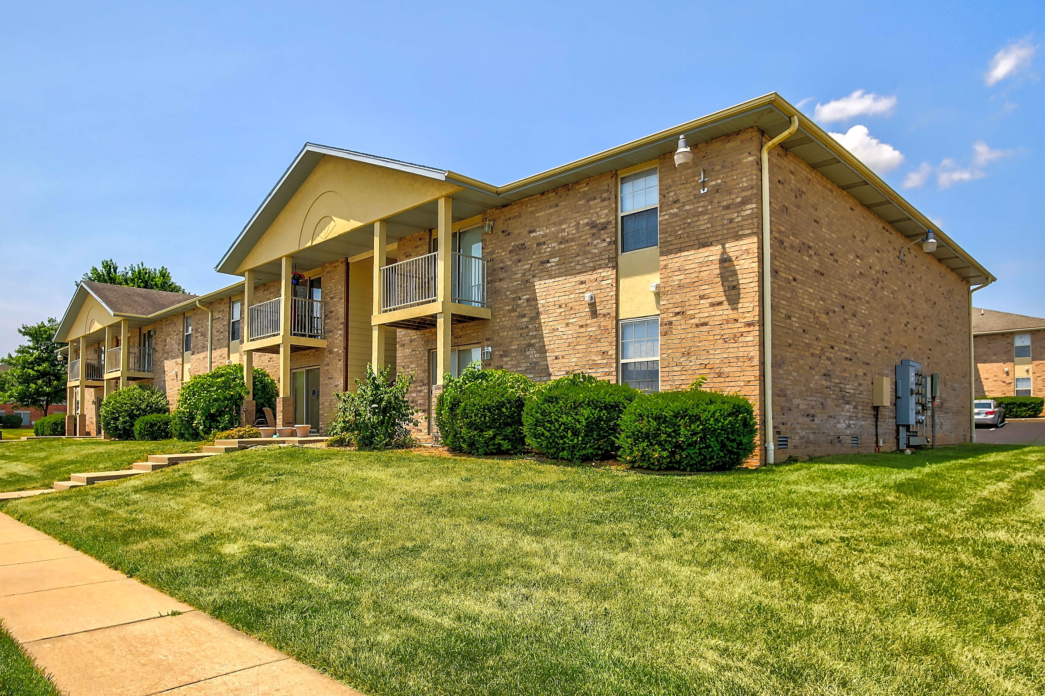 Apartments Near Missouri College of Cosmetology North Sunset Woodland for Missouri College of Cosmetology North Students in Springfield, MO