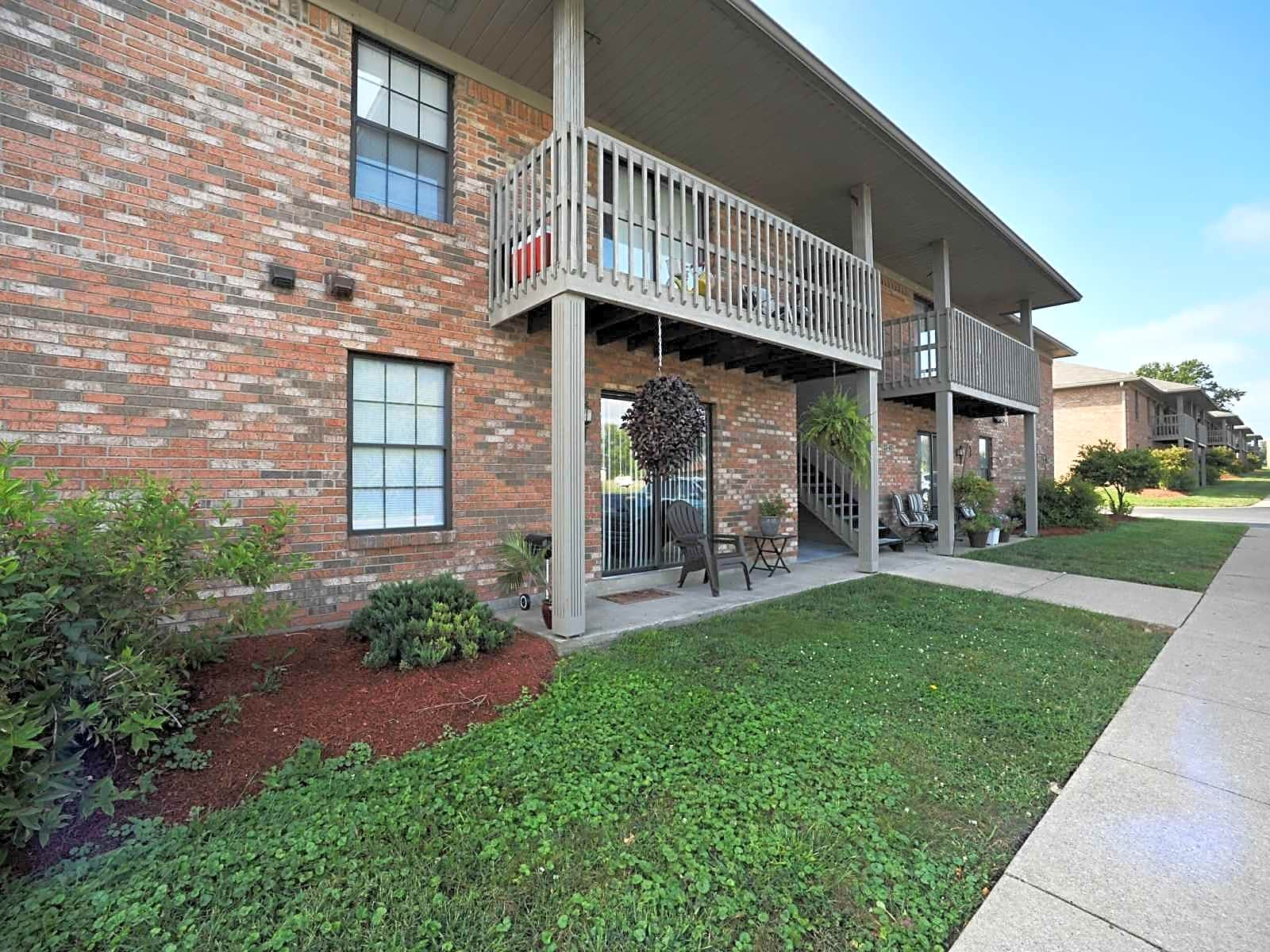 Apartments Near IU Southeast Carrington Place for Indiana University Southeast Students in New Albany, IN
