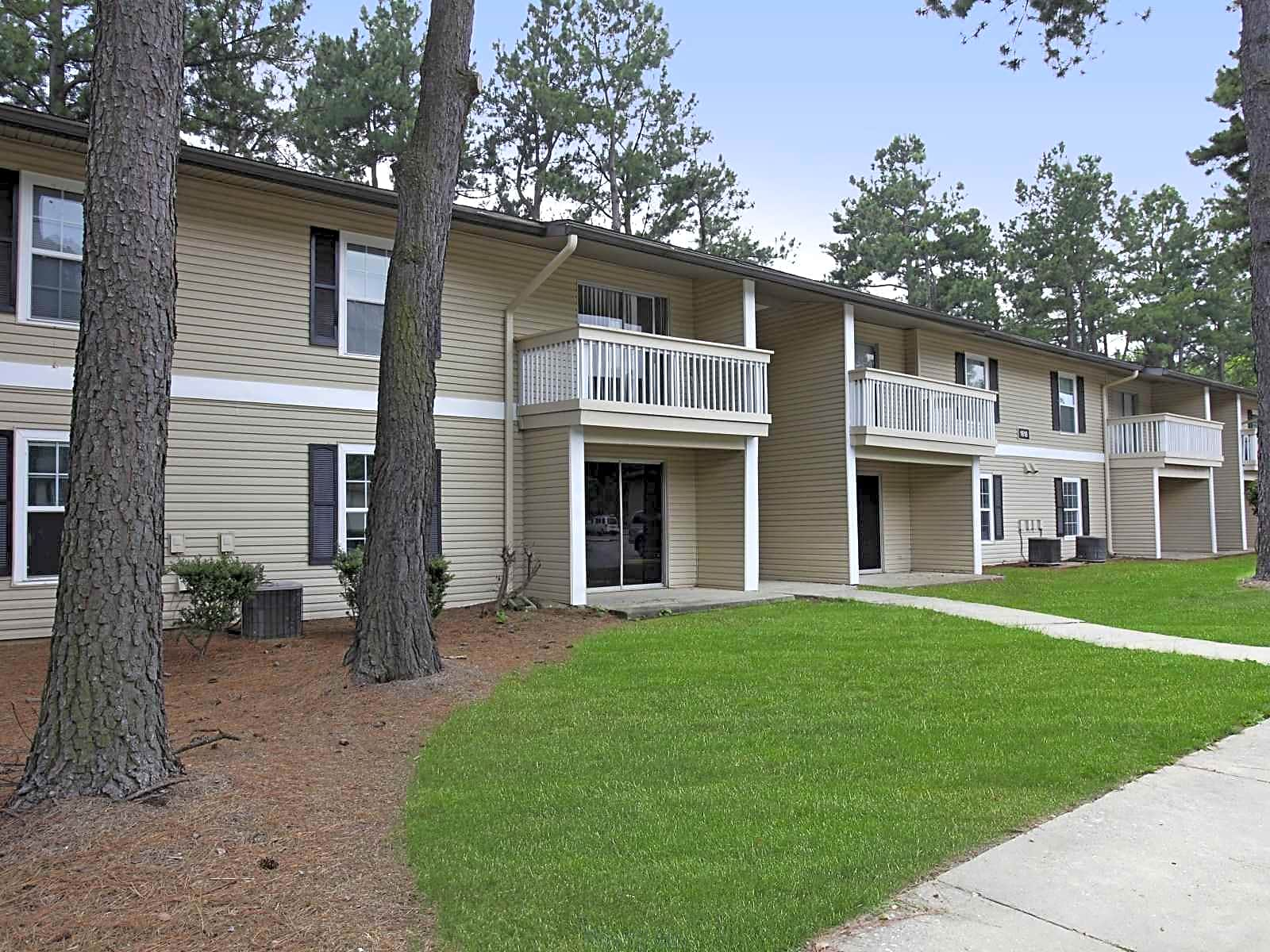 Apartments Near Guilford Pinecroft Place for Guilford College Students in Greensboro, NC