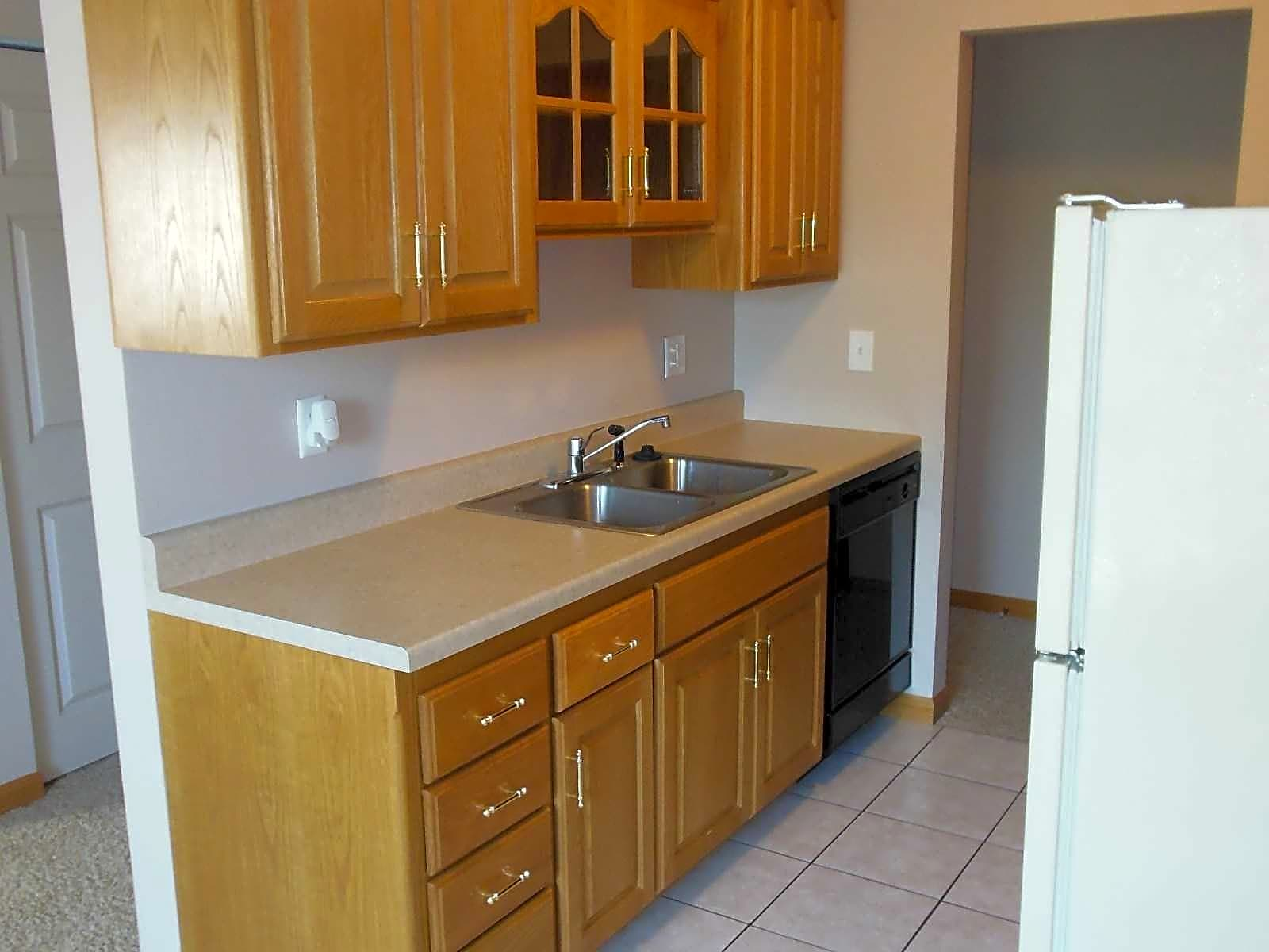 Photo: Bloomington Apartment for Rent - $949.00 / month; 2 Bd & 1 Ba