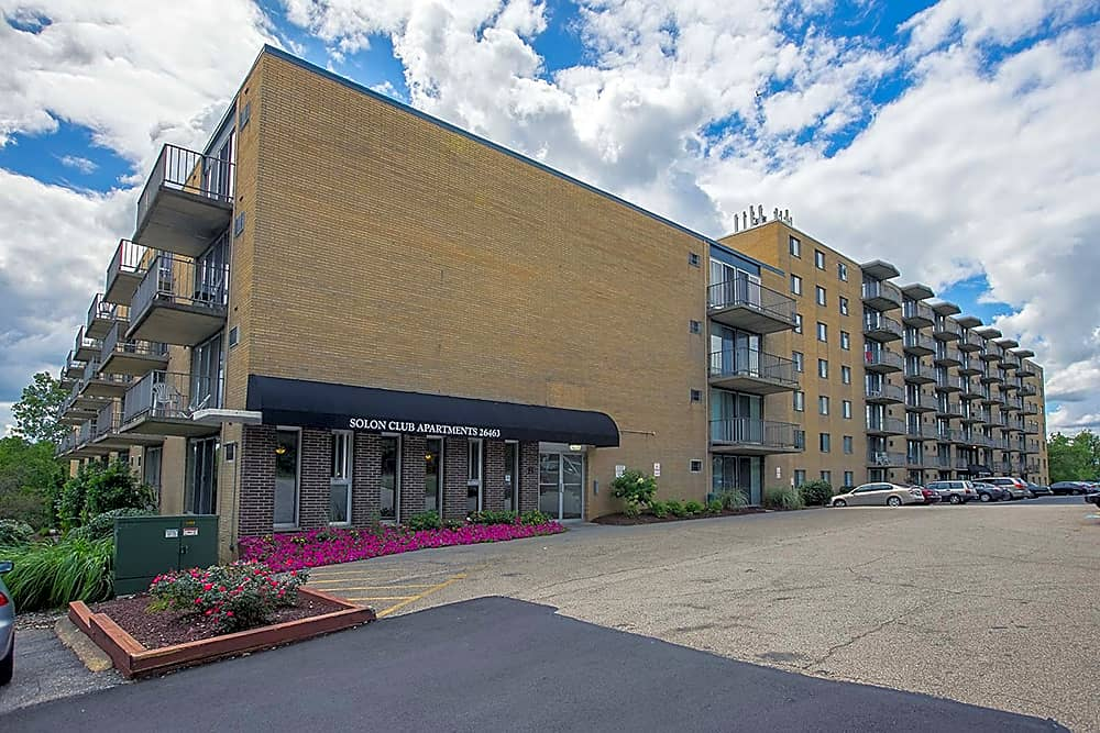 . Solon Club Apartments   Oakwood Village  OH 44146
