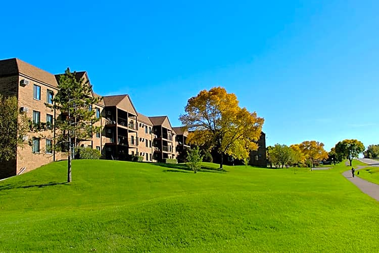 Apartments Near Brown Lexington Heights for Brown College Students in Mendota Heights, MN