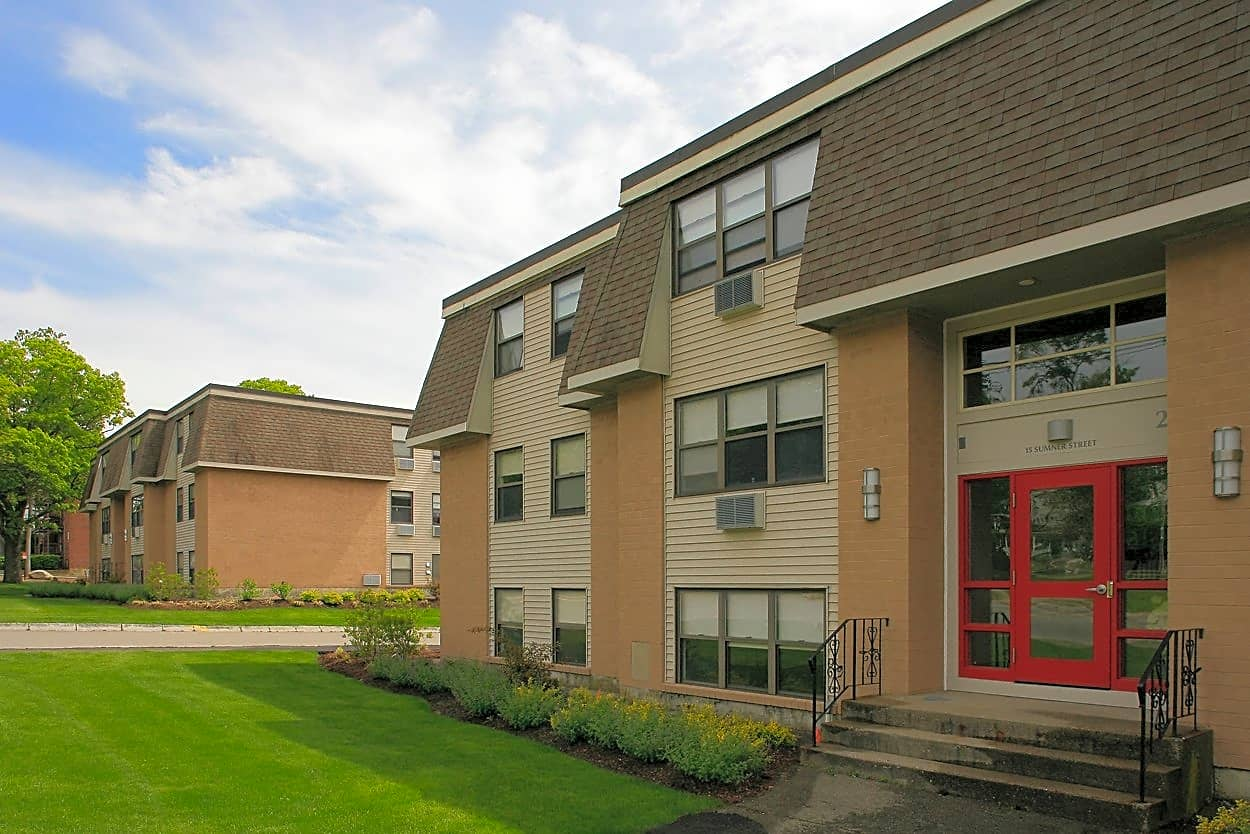 Apartments Near Stonehill Oxford Apartments for Stonehill College Students in Easton, MA