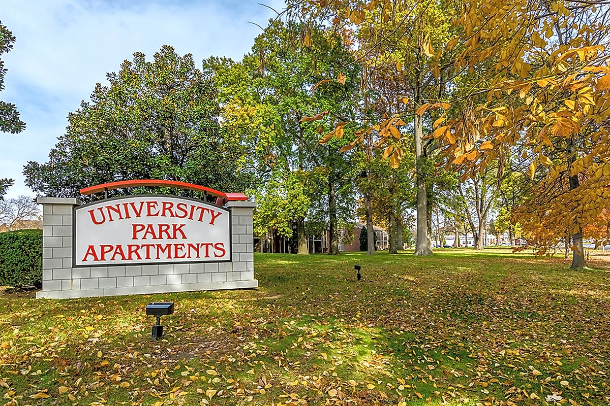 Apartments Near U of L University Park Apartments for University of Louisville Students in Louisville, KY