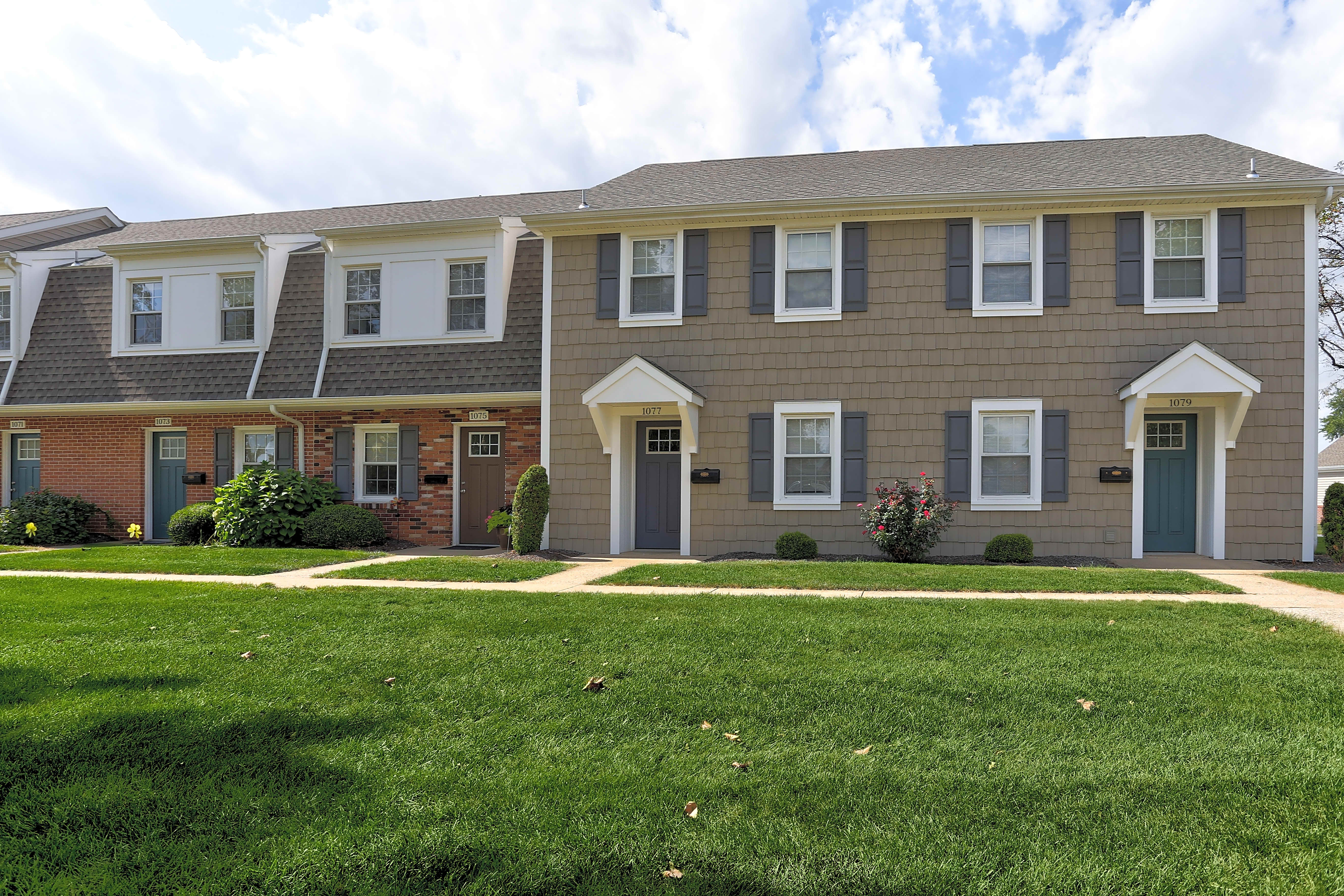 Apartments Near F & M Village of Olde Hickory for Franklin & Marshall College Students in Lancaster, PA