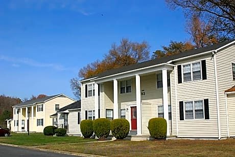 Dahlgren Harbor Apartments for rent in King George