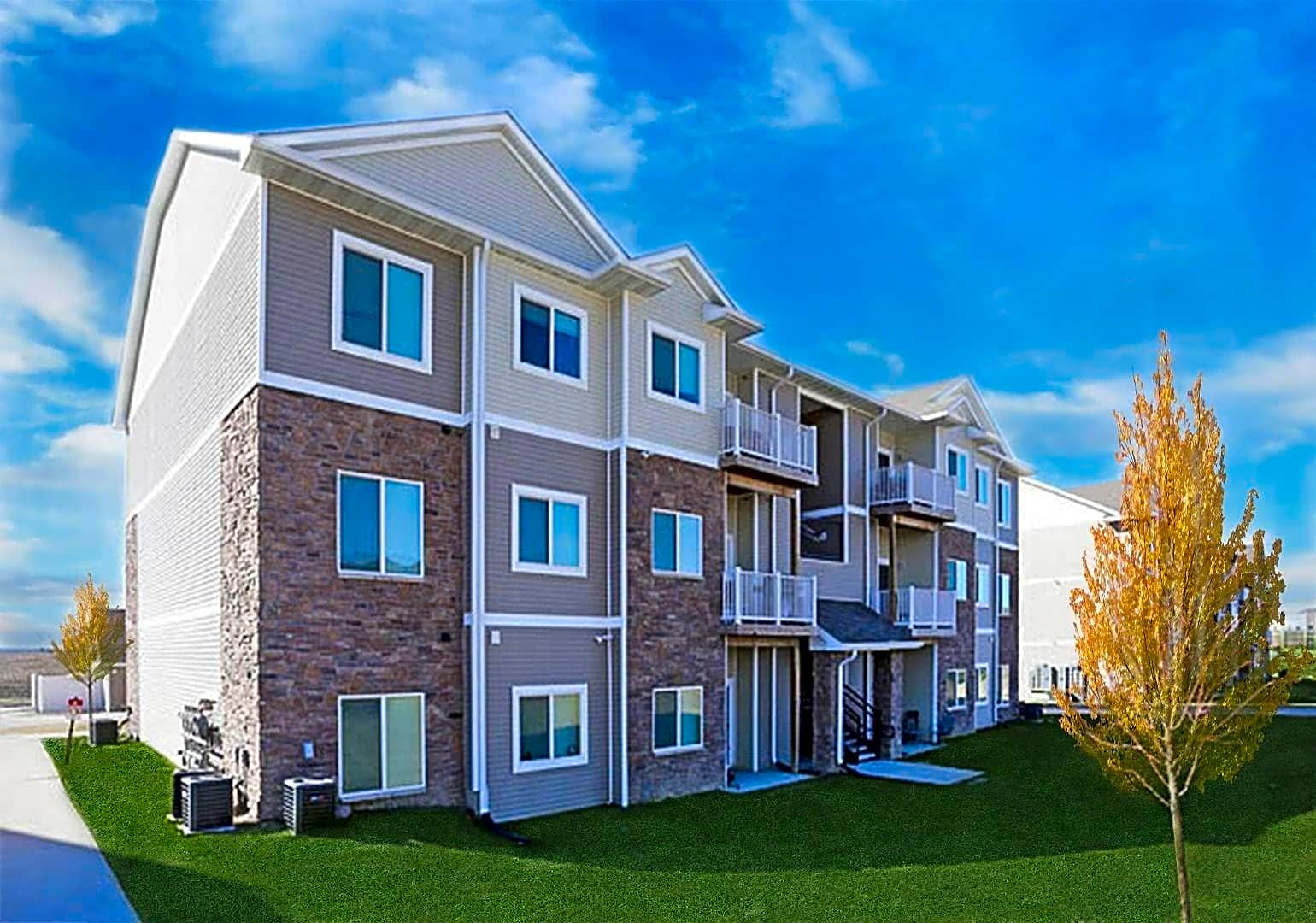 Apartments Near Kaplan University-Des Moines Campus Johnston Heights for Kaplan University-Des Moines Campus Students in Urbandale, IA