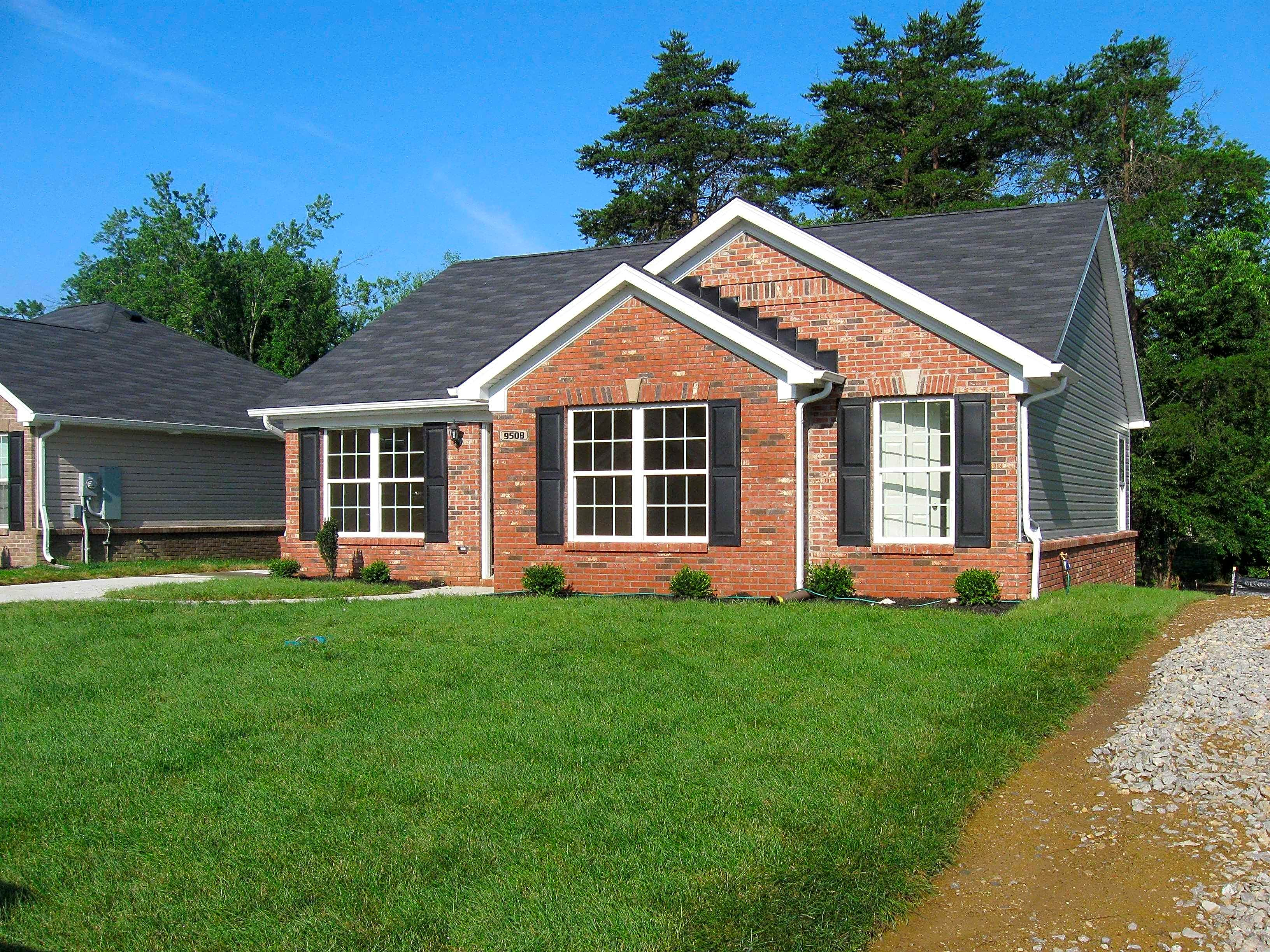 Louisville houses for rent in louisville homes for rent for Garage builders louisville ky