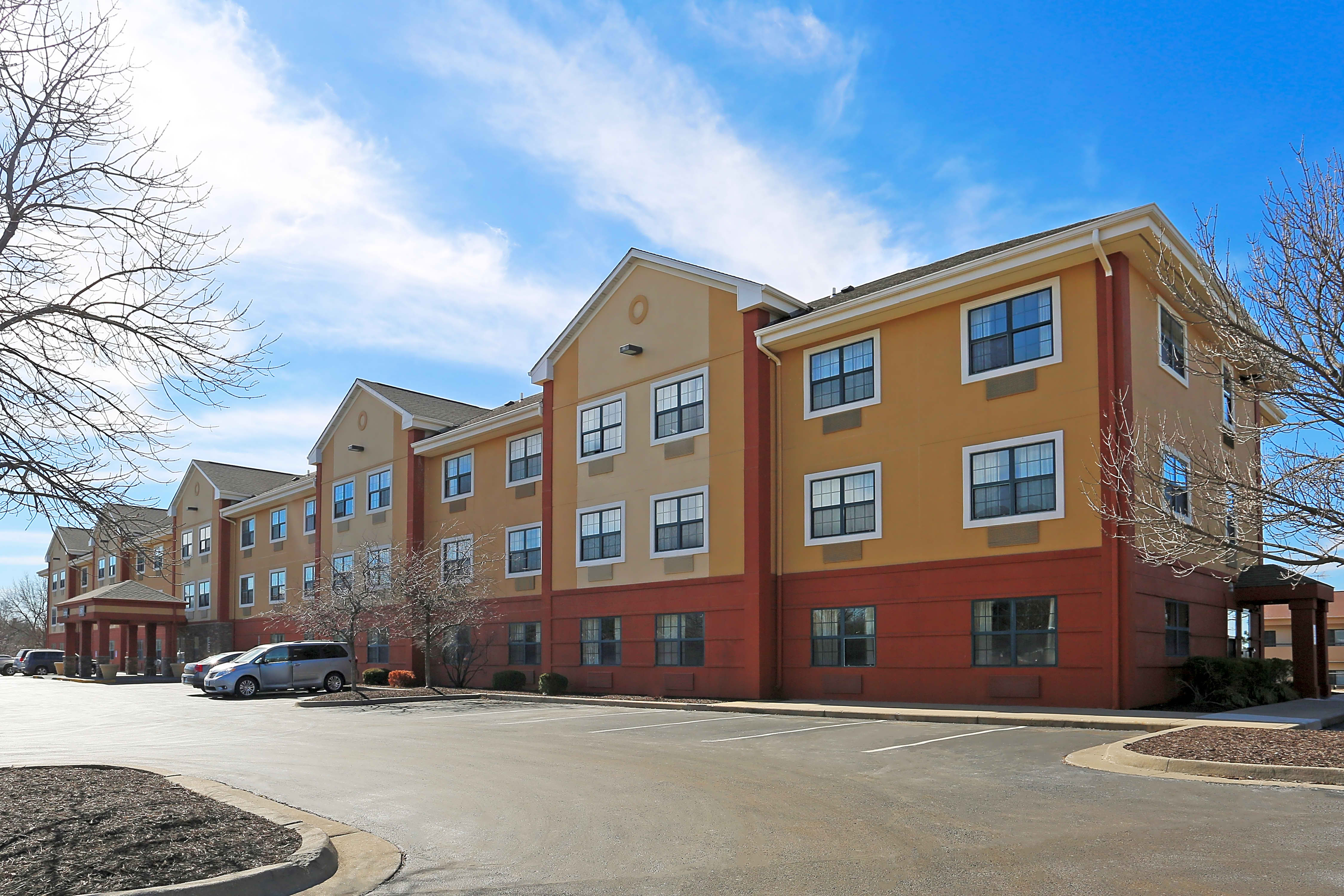Apartments Near ITT Technical Institute-Kansas City Furnished Studio - Kansas City - South for ITT Technical Institute-Kansas City Students in Kansas City, MO