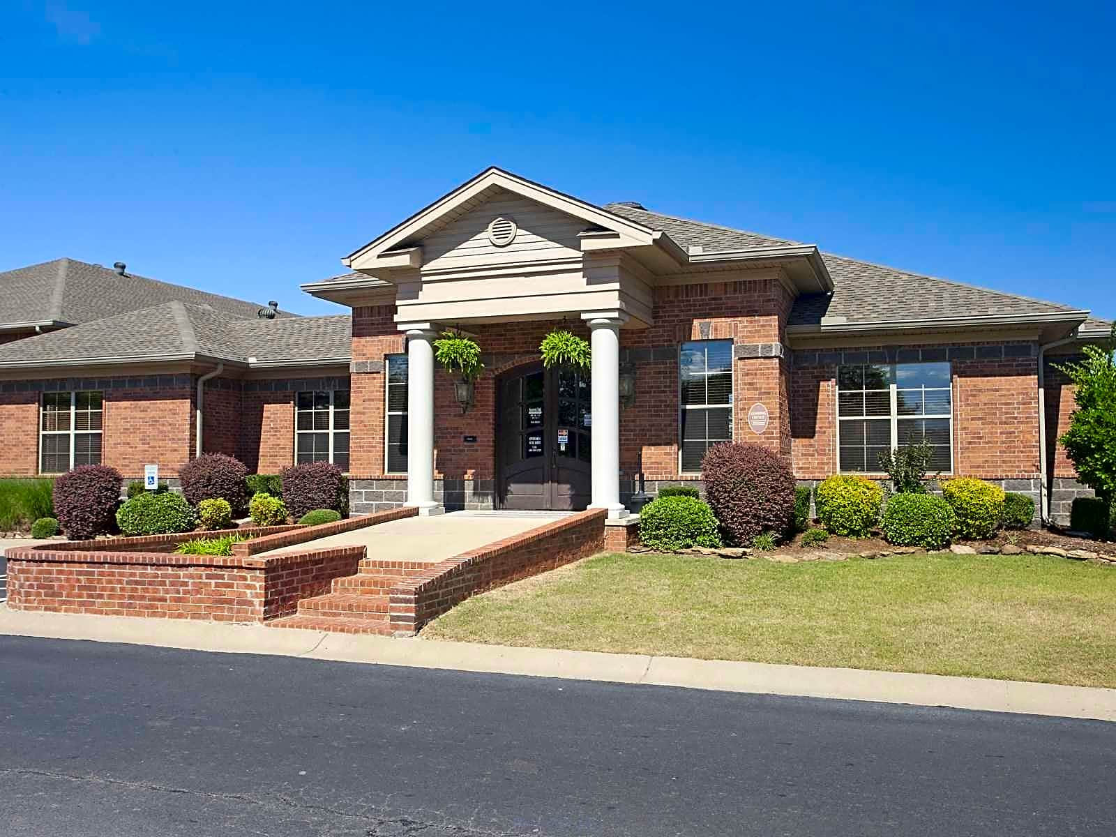 Apartments Near Hendrix High Point Park for Hendrix College Students in Conway, AR