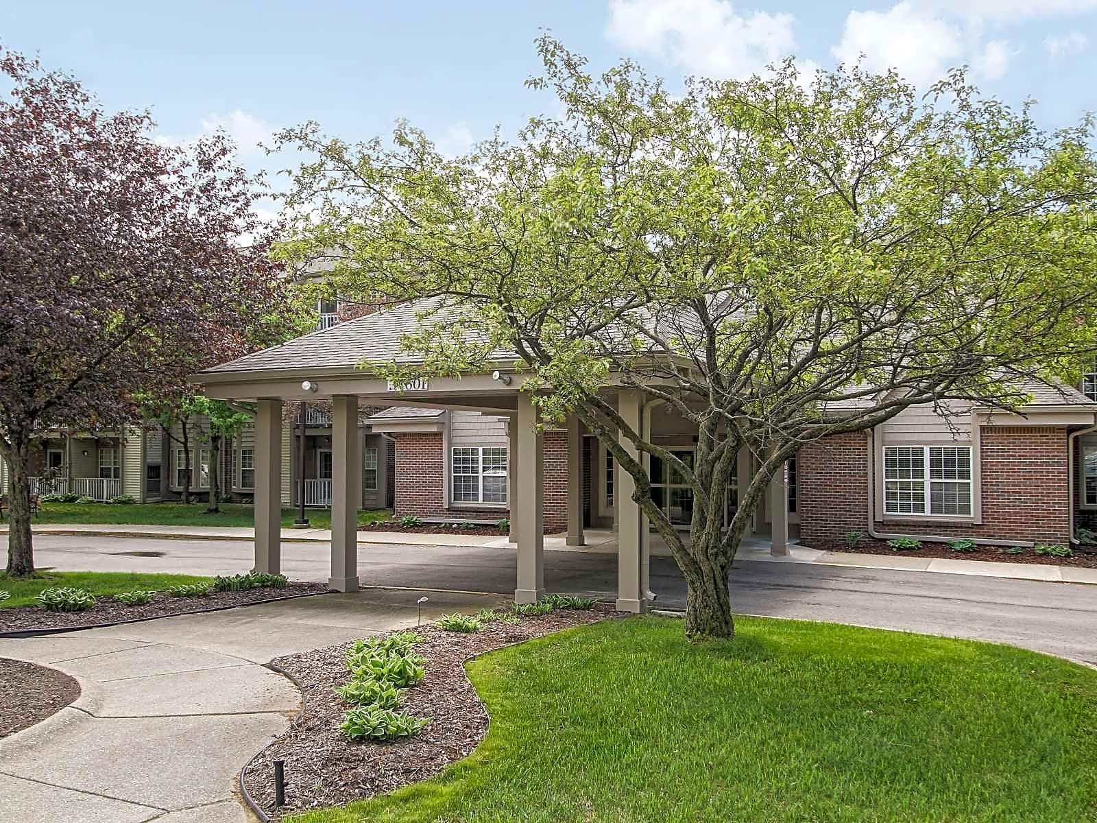 Apartments Near Madonna Westhaven Manor for Madonna University Students in Livonia, MI