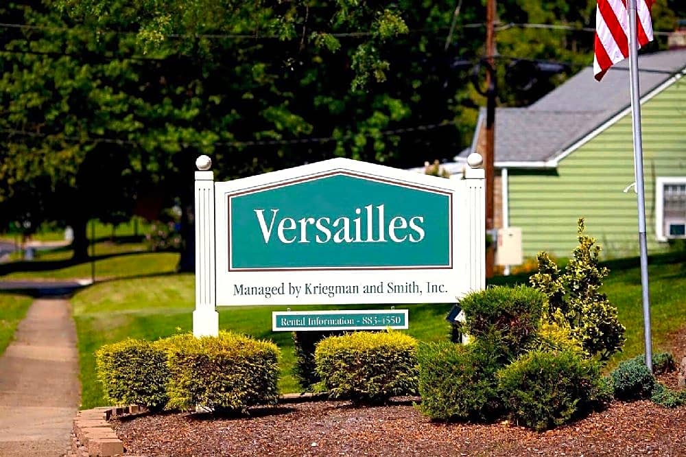 Apartments Near TCNJ Versailles Apartments for College of New Jersey Students in Ewing, NJ