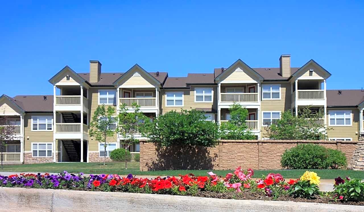 palmer lake senior singles Palmer lake is diverse with retirees, young families & singles we are a happy friendly place.