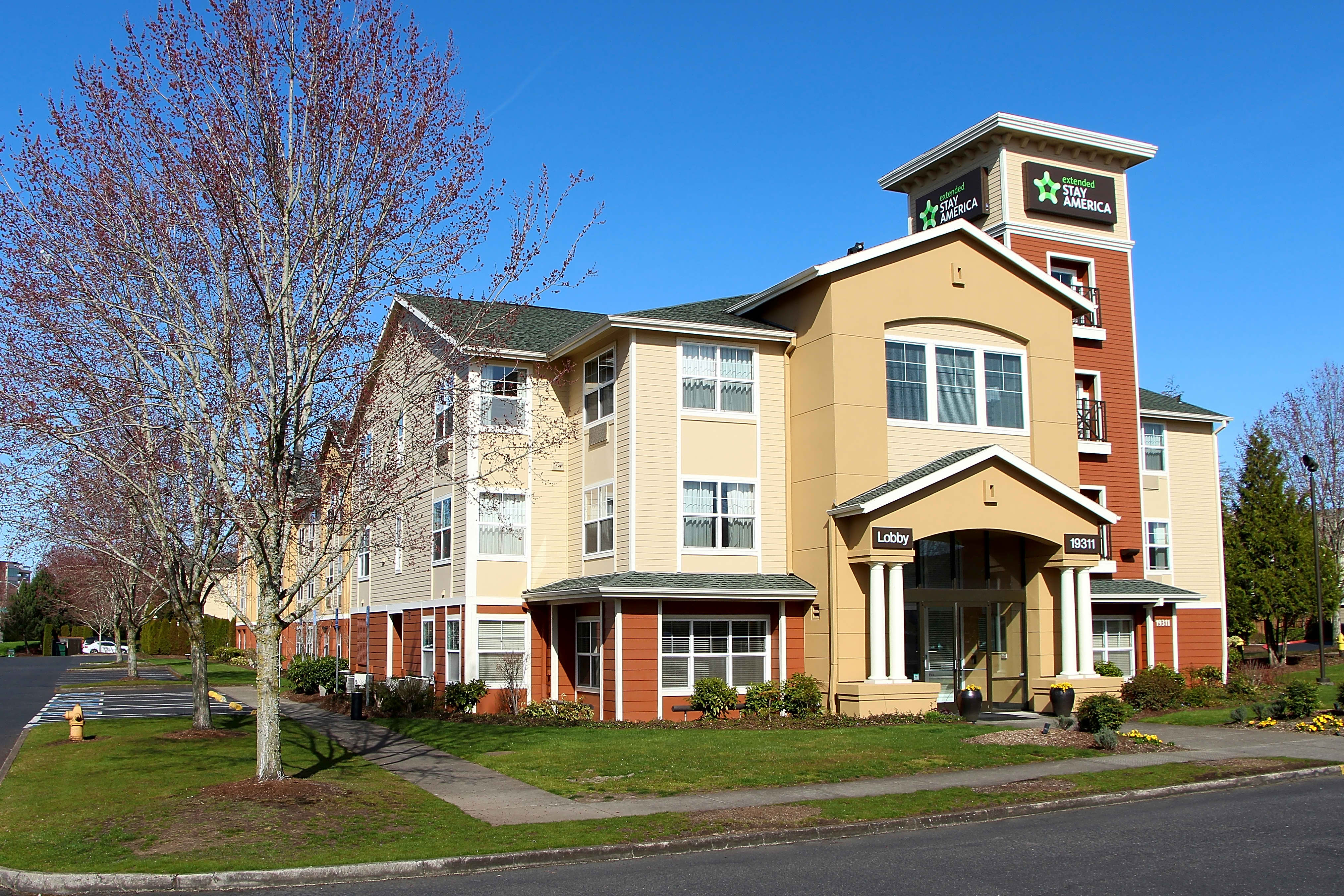 Apartments Near Pacific Furnished Studio - Portland - Hillsboro for Pacific University Students in Forest Grove, OR