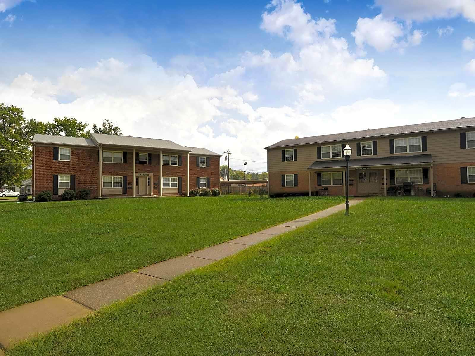 Apartments Near Ross Medical Education Center-Evansville Apartment Village for Ross Medical Education Center-Evansville Students in Evansville, IN