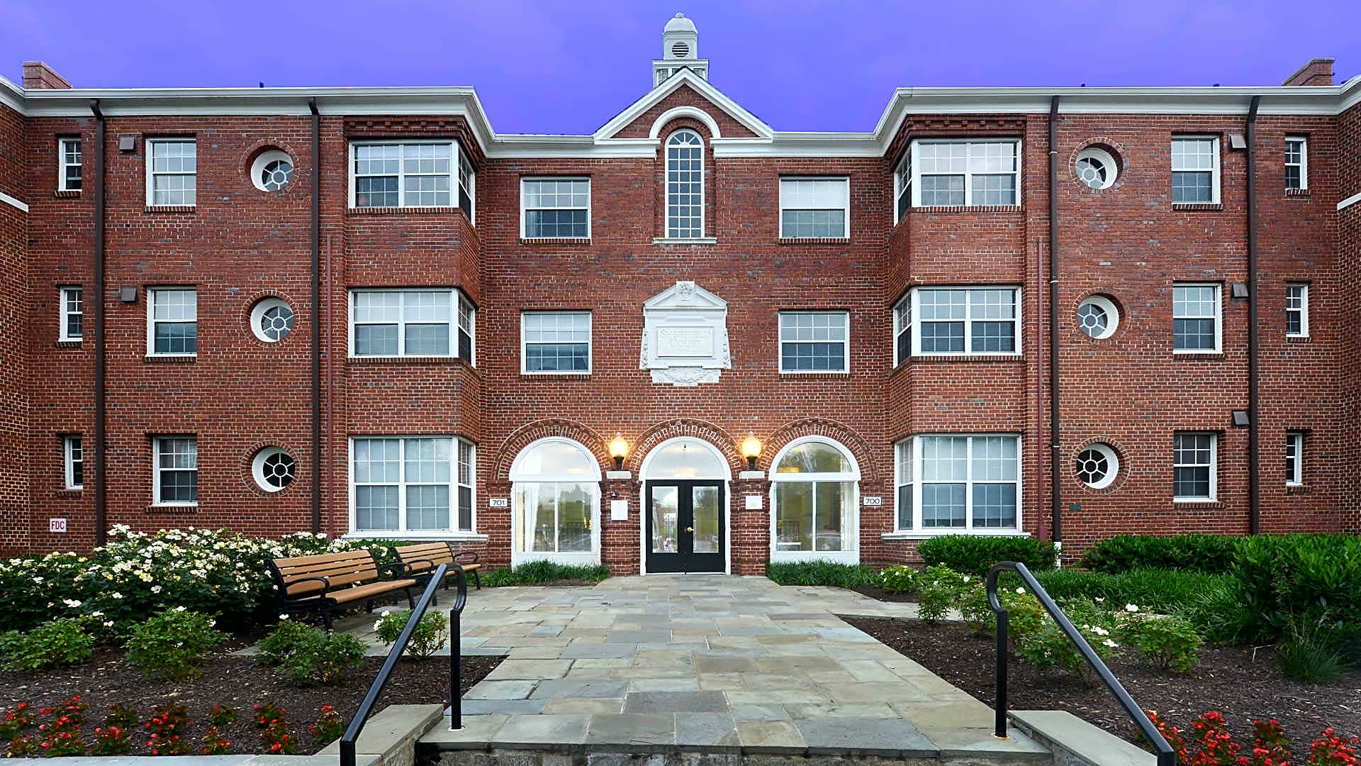 Sheffield Court Apartments - Arlington, VA 22201