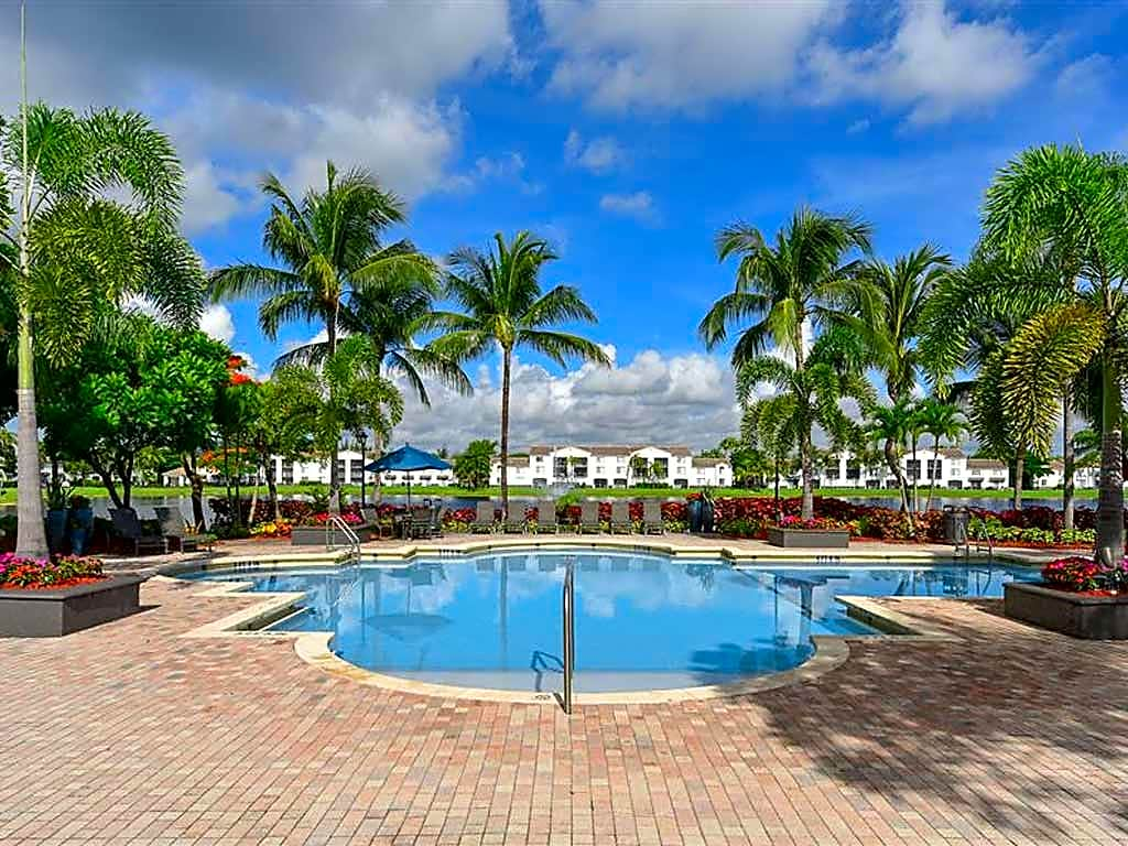 Resort-style pool at Doral West Apartments
