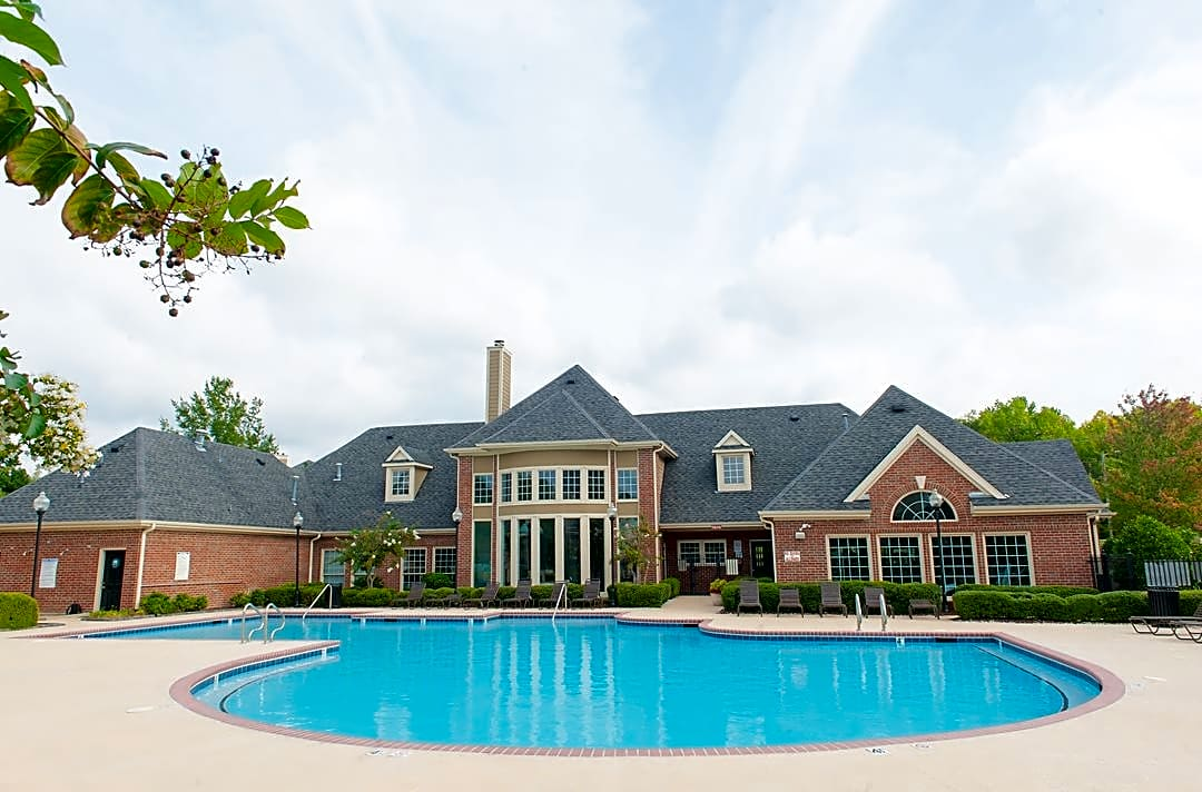 Apartments Near Guilford Bridford Lake for Guilford College Students in Greensboro, NC