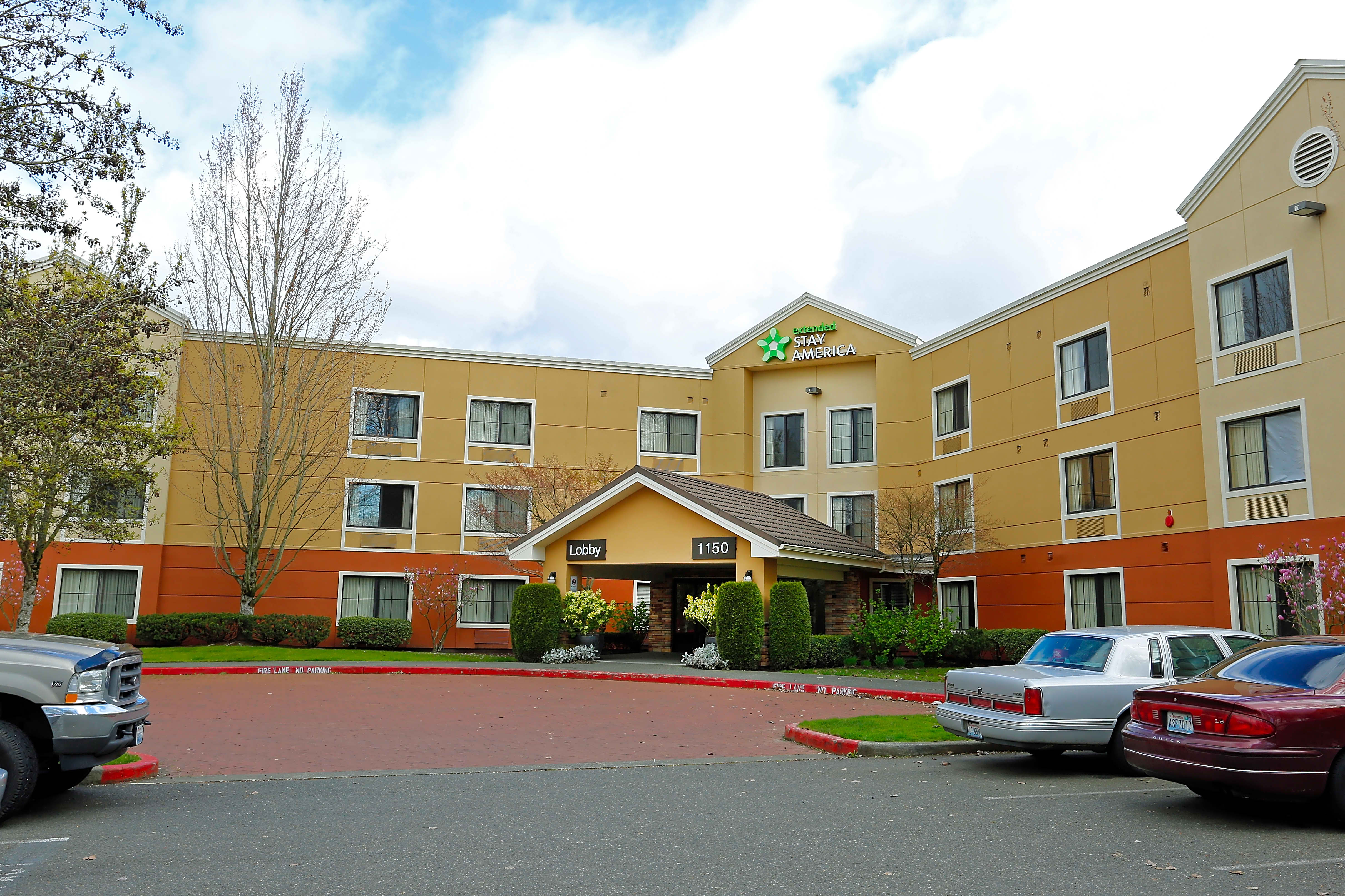 Apartments Near Renton Furnished Studio - Seattle - Renton for Renton Students in Renton, WA