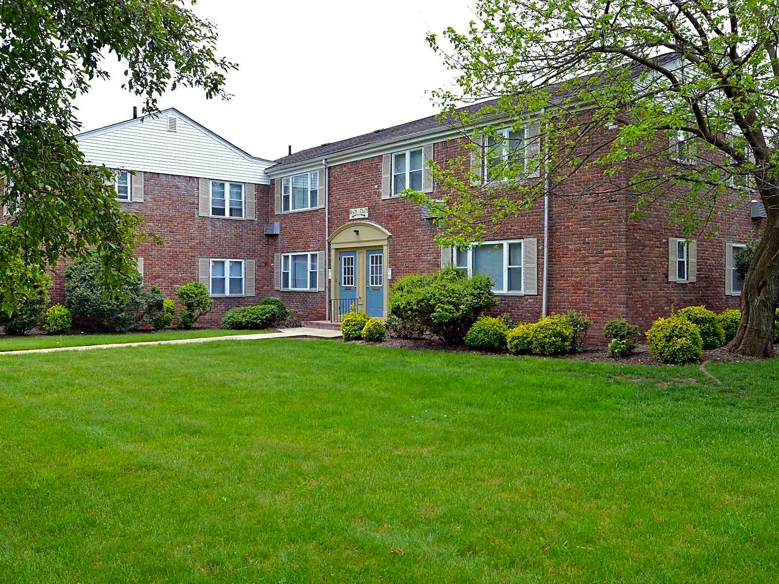 Apartments Near Rutgers Mountainview Gardens for Rutgers University Students in New Brunswick, NJ