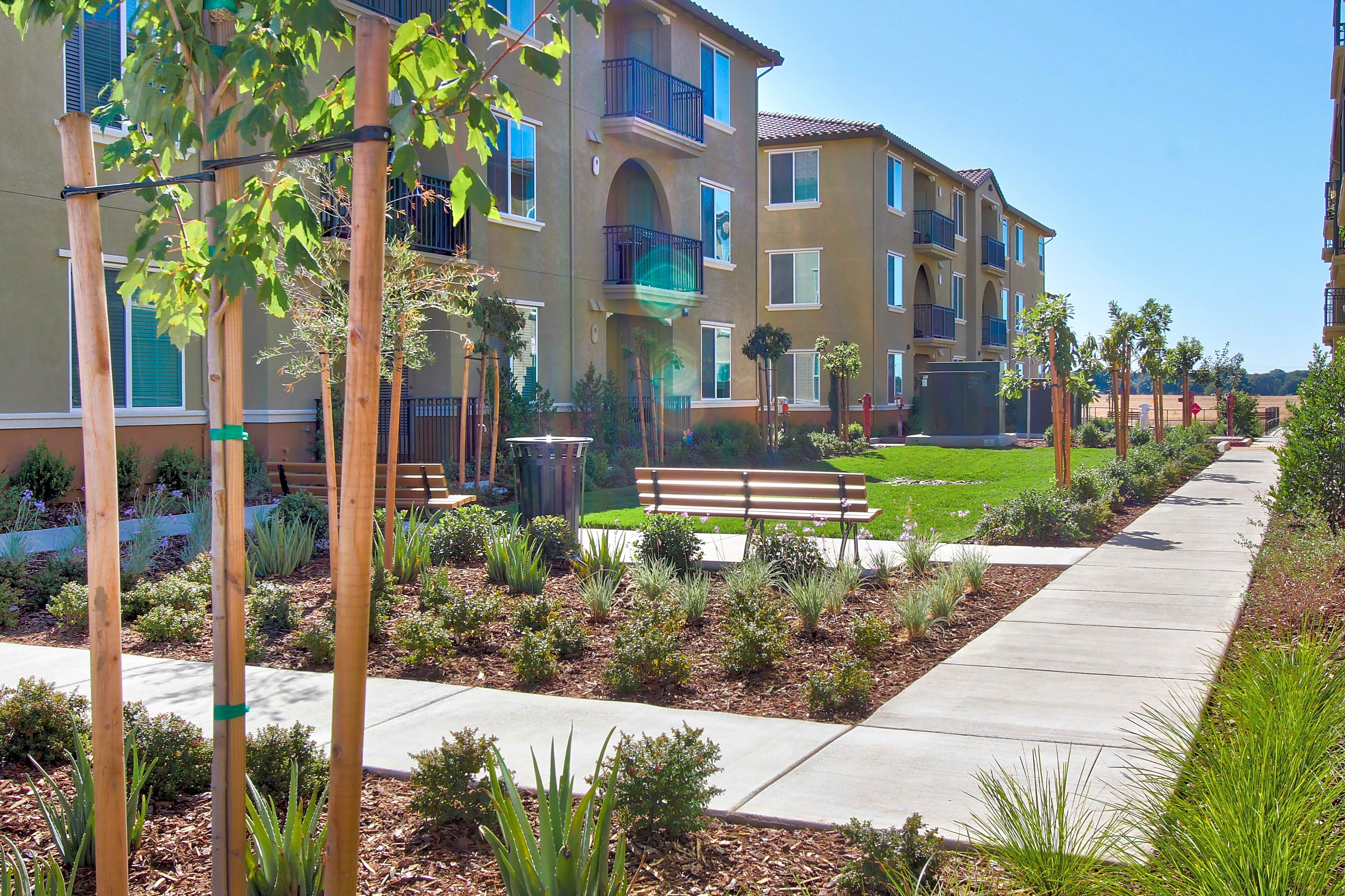 Apartments Near Sierra Campus Oaks Apartments for Sierra College Students in Rocklin, CA