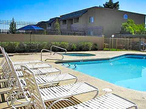 Apartments Near UNLV Las Palomas for University of Nevada-Las Vegas Students in Las Vegas, NV