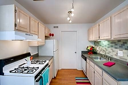 Photo: Pontiac Apartment for Rent - $740.00 / month; 2 Bd & 2 Ba