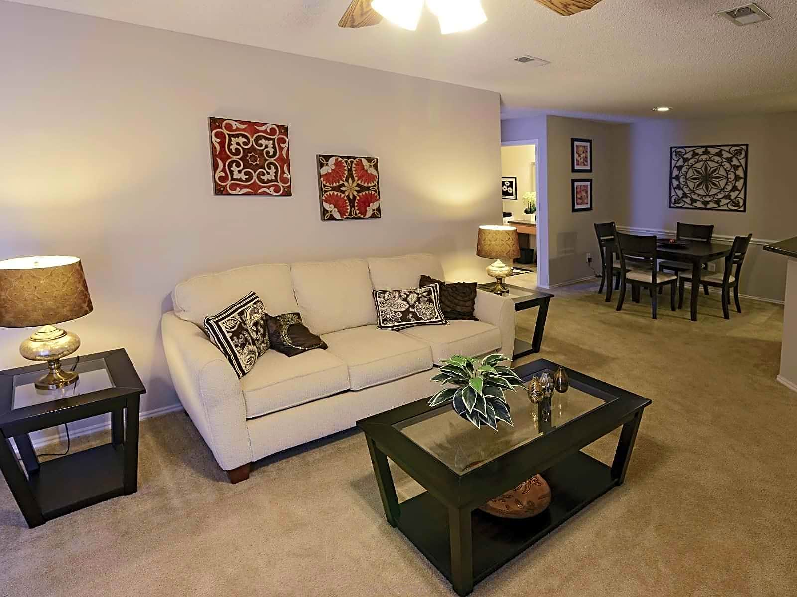 Apartments Near Logan Baxter Crossings for Logan University Students in Chesterfield, MO
