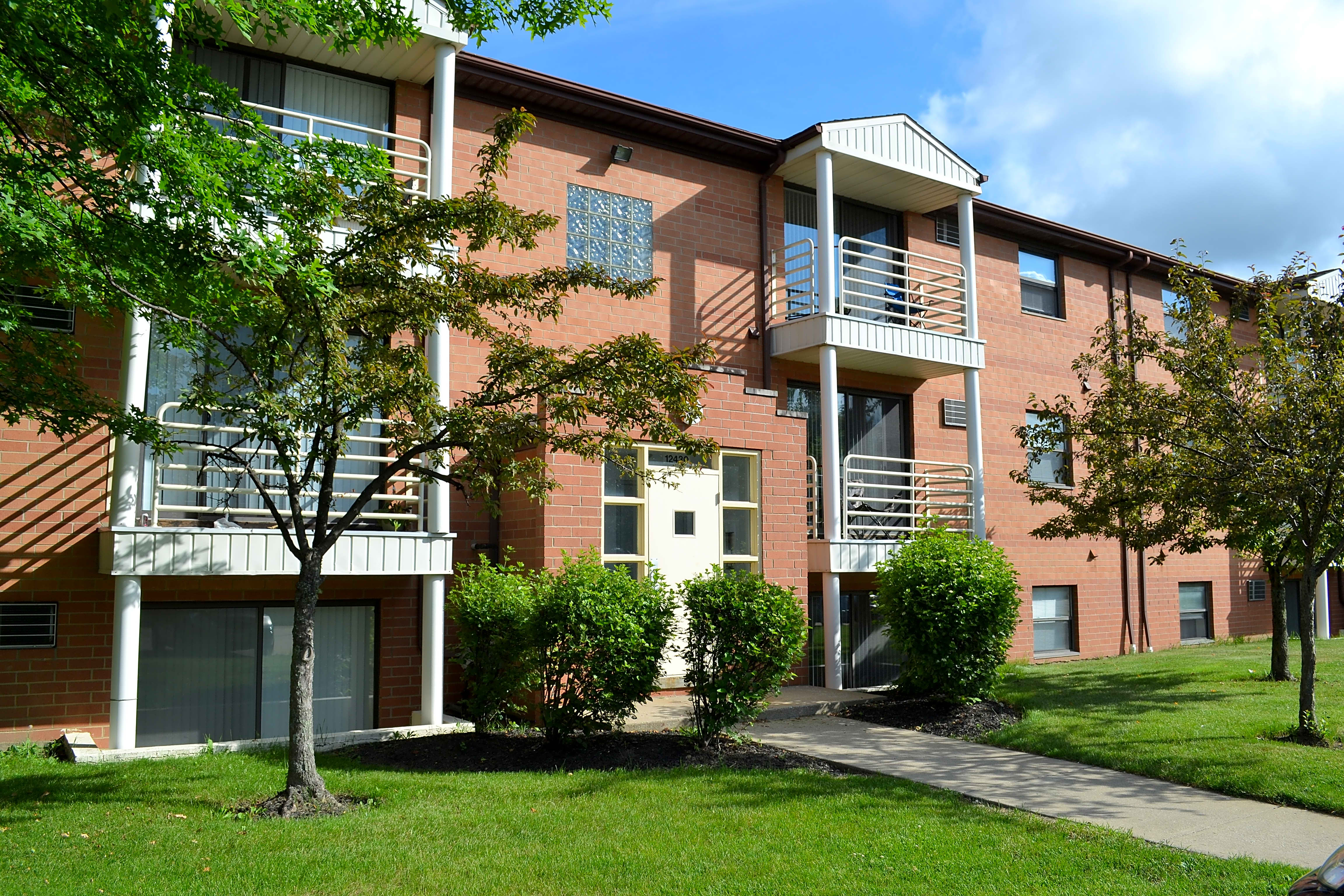 . Deer Creek Apartments   North Royalton  OH 44133