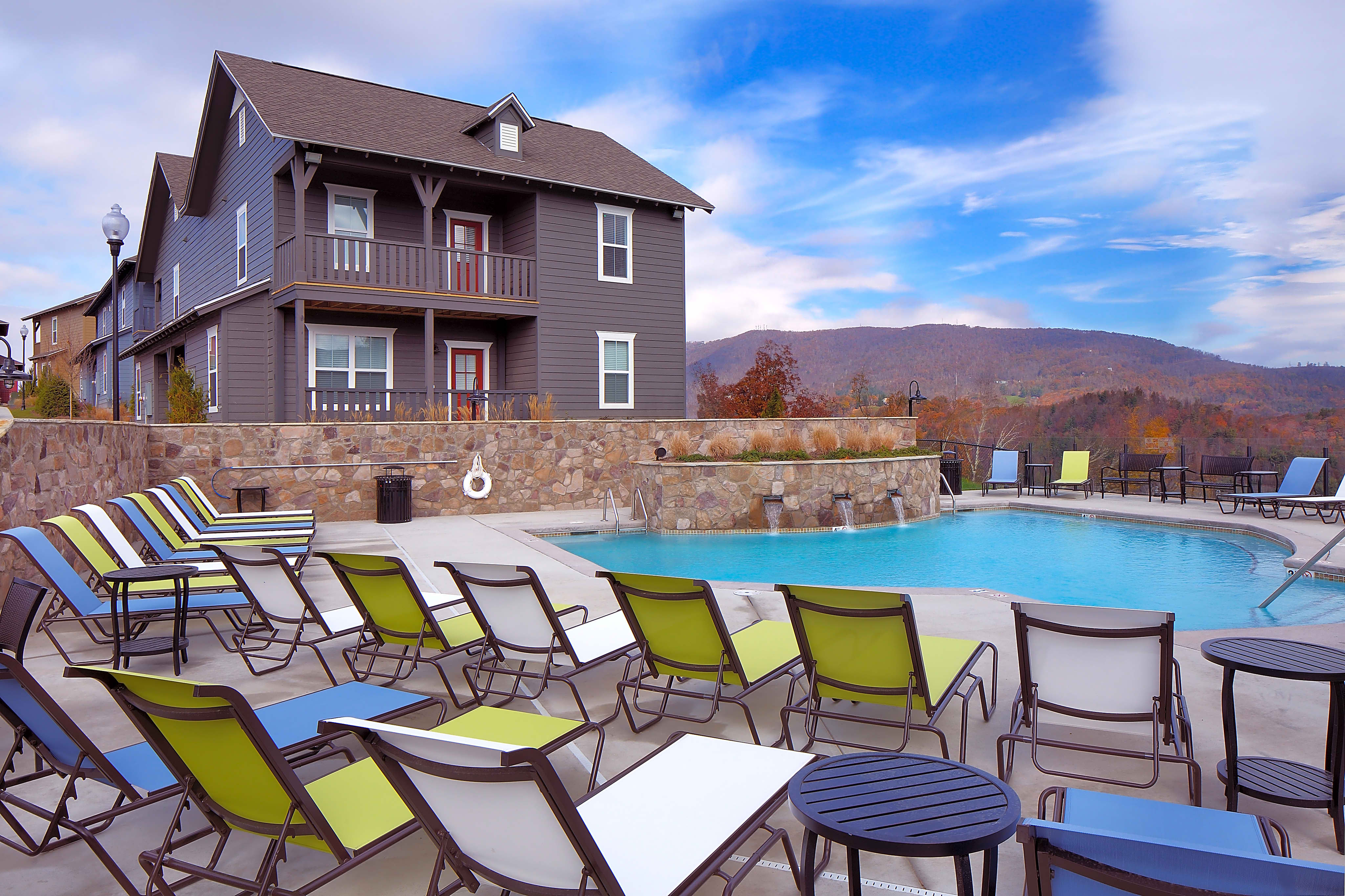Apartments Near App State The Cottages Of Boone - PER BED LEASE for Appalachian State University Students in Boone, NC